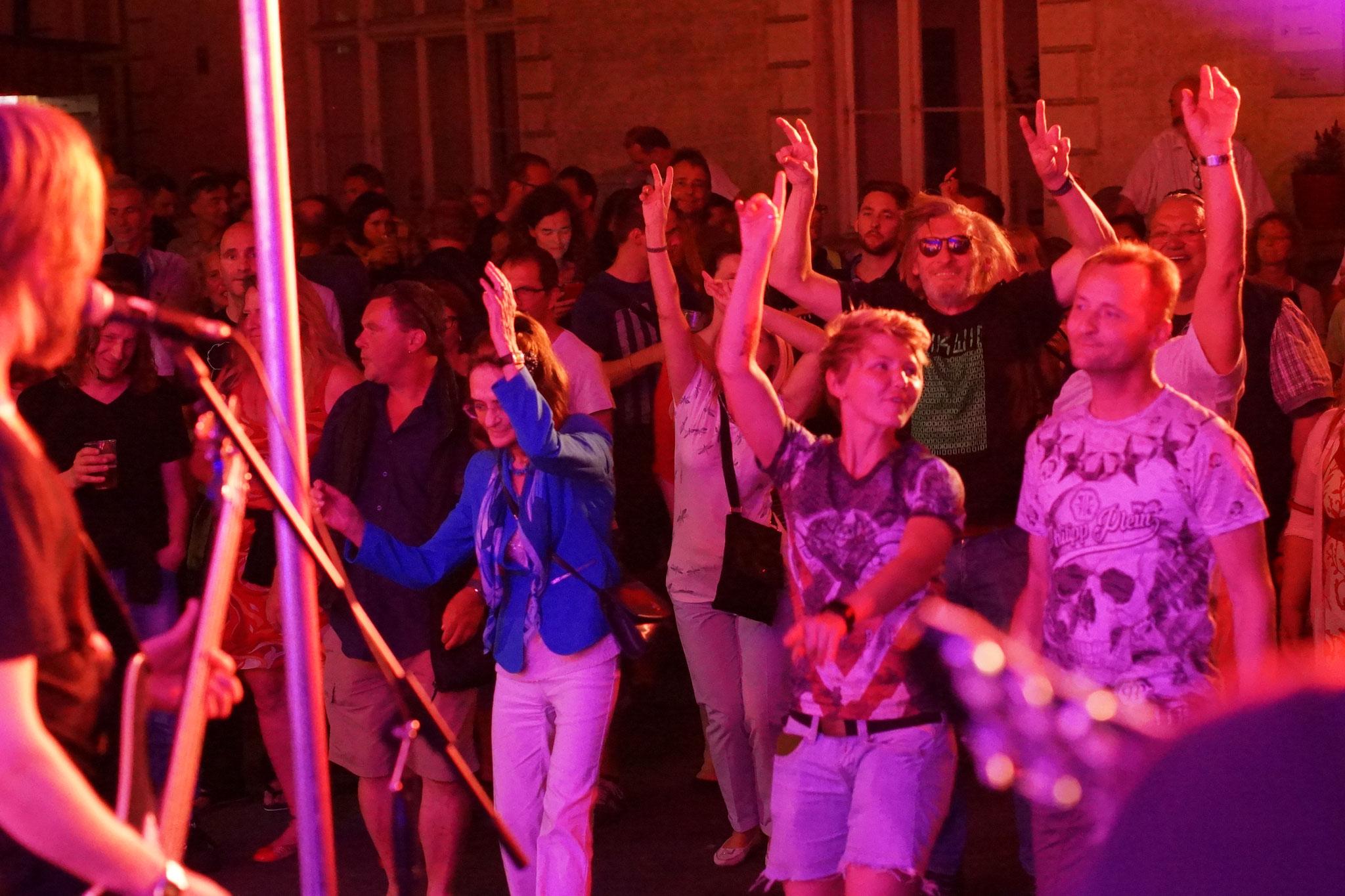 Konzerte im Bürgerhof 08.07.17 - Freiwilligen-Zentrum Augsburg - Foto: Crayfish