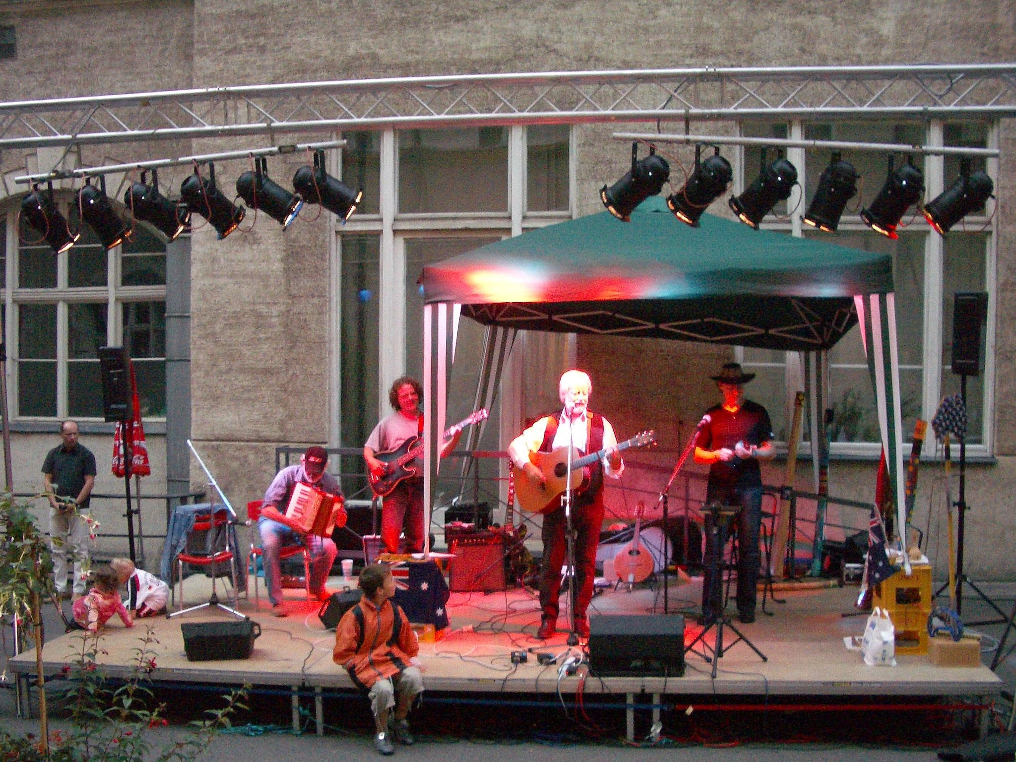 "Konzerte im Bürgerhof 2006 ""… no worries, mate!"" - Freiwilligen-Zentrum Augsburg - Foto: Wolfgang F. Lightmaster"