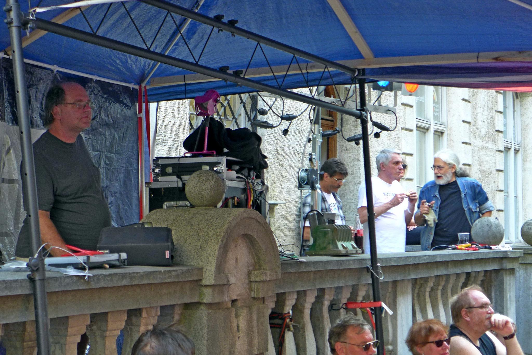 Konzerte im Bürgerhof 03.07.15 - Freiwilligen-Zentrum Augsburg - Foto: Christoph Urban