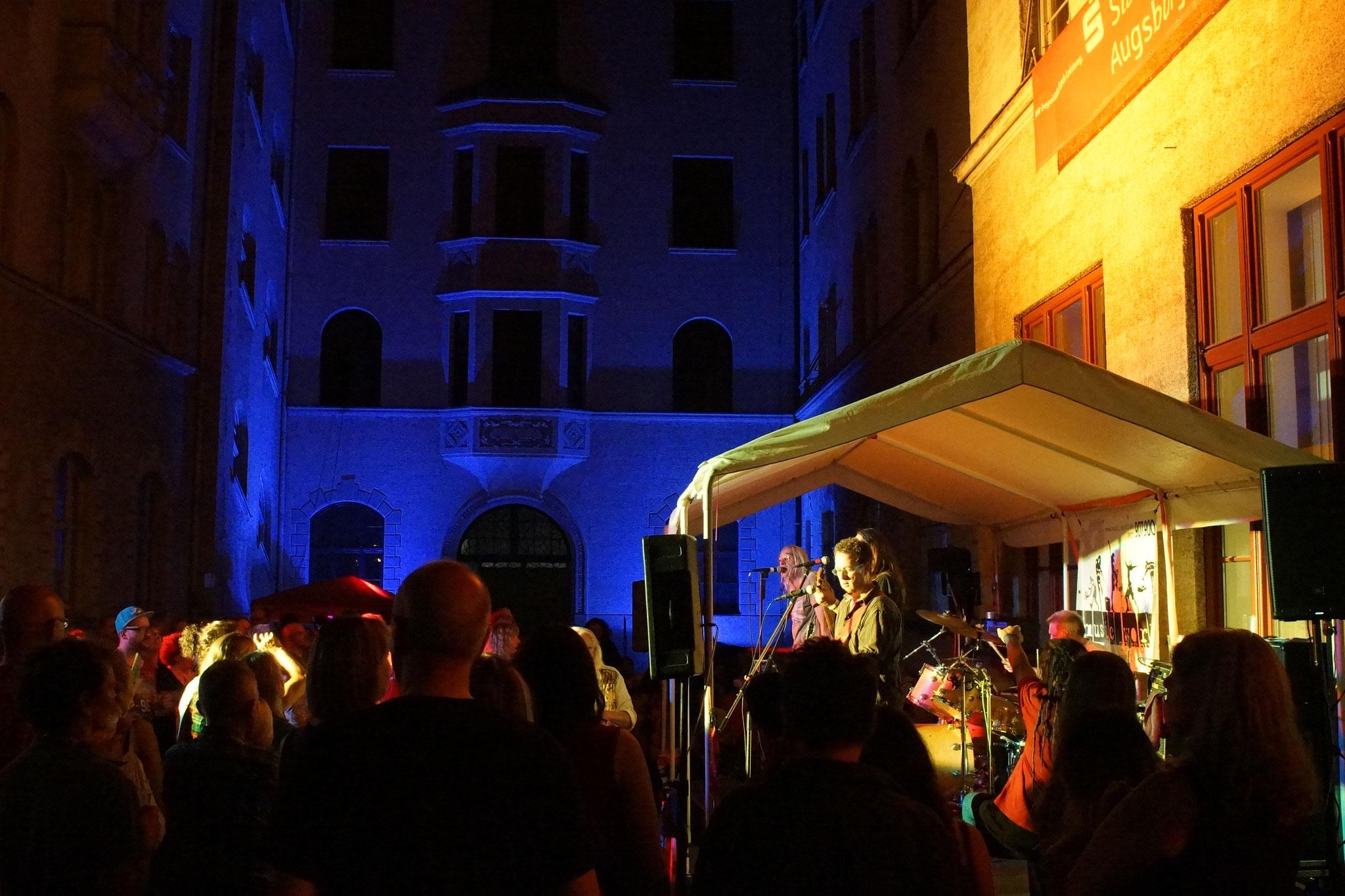 Konzerte im Bürgerhof 03.07.15 Sunday in Jail - Freiwilligen-Zentrum Augsburg - Foto: Crayfish