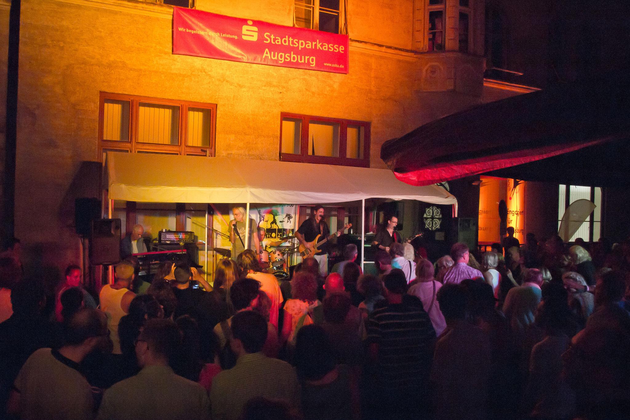 Konzerte im Bürgerhof 03.07.15 Sunday in Jail - Freiwilligen-Zentrum Augsburg - Foto: Robert Hösle
