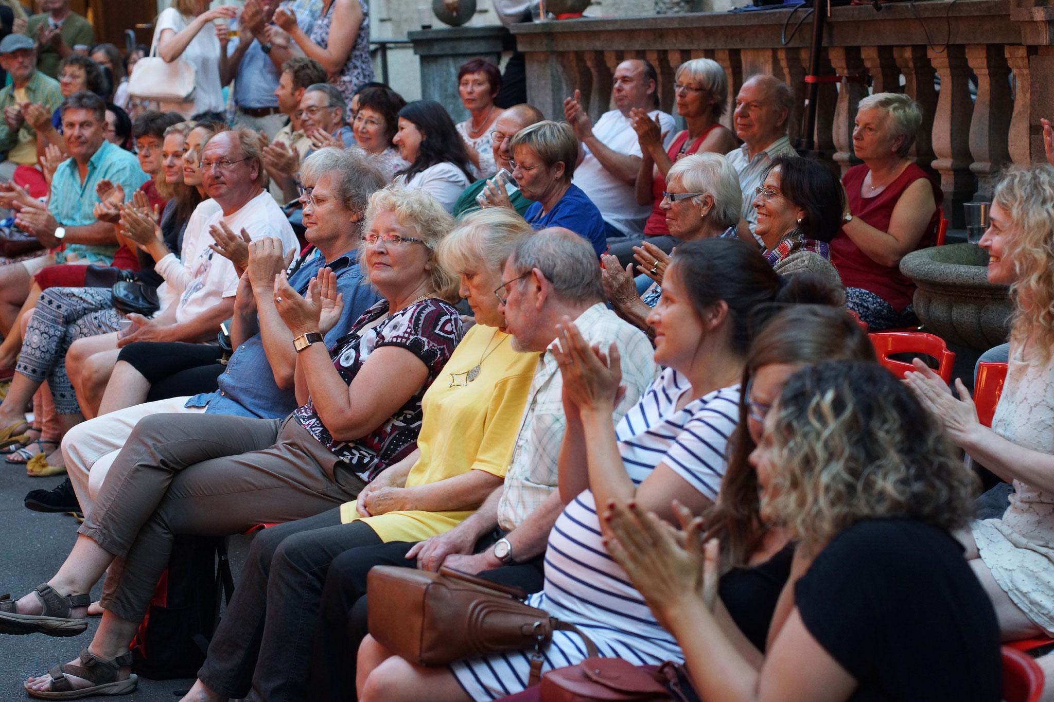 Konzerte im Bürgerhof 09.07.16 - Freiwilligen-Zentrum Augsburg - Foto: Crayfish