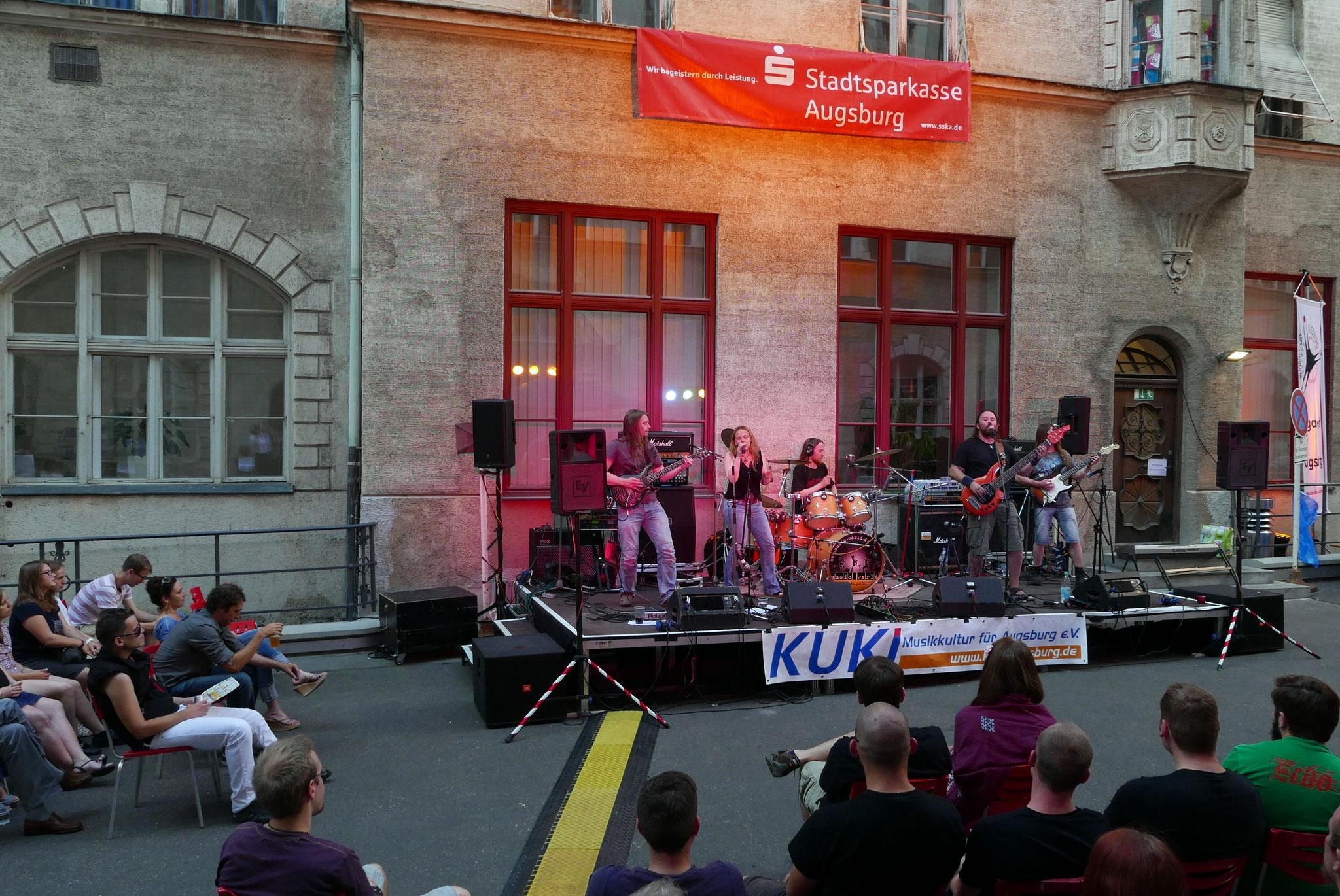 Konzerte im Bürgerhof 02.07.15 Dislocated Theory - Freiwilligen-Zentrum Augsburg - Foto: Christoph Urban