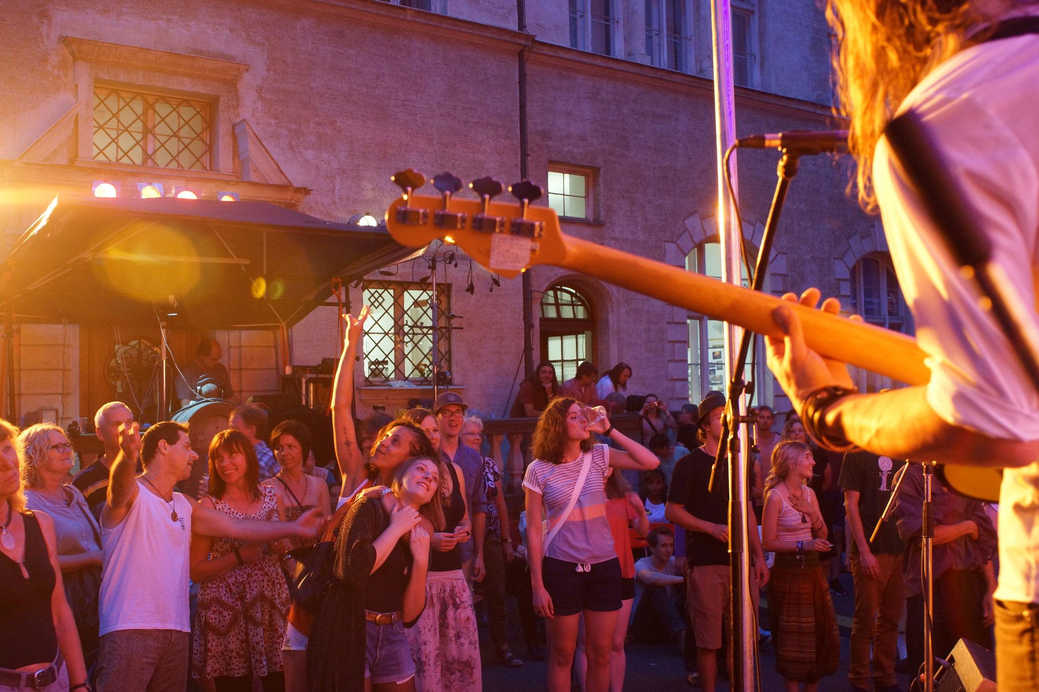 Konzerte im Bürgerhof 09.07.16 Pinewood Soul - Freiwilligen-Zentrum Augsburg - Foto: Crayfish