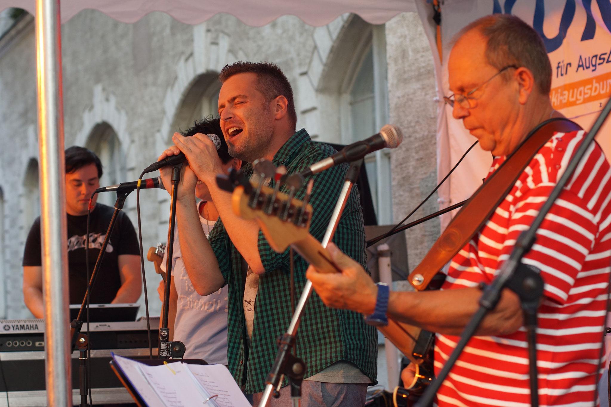 Konzerte im Bürgerhof 08.07.16 The Poolpaddlers - Freiwilligen-Zentrum Augsburg - Foto: Crayfish