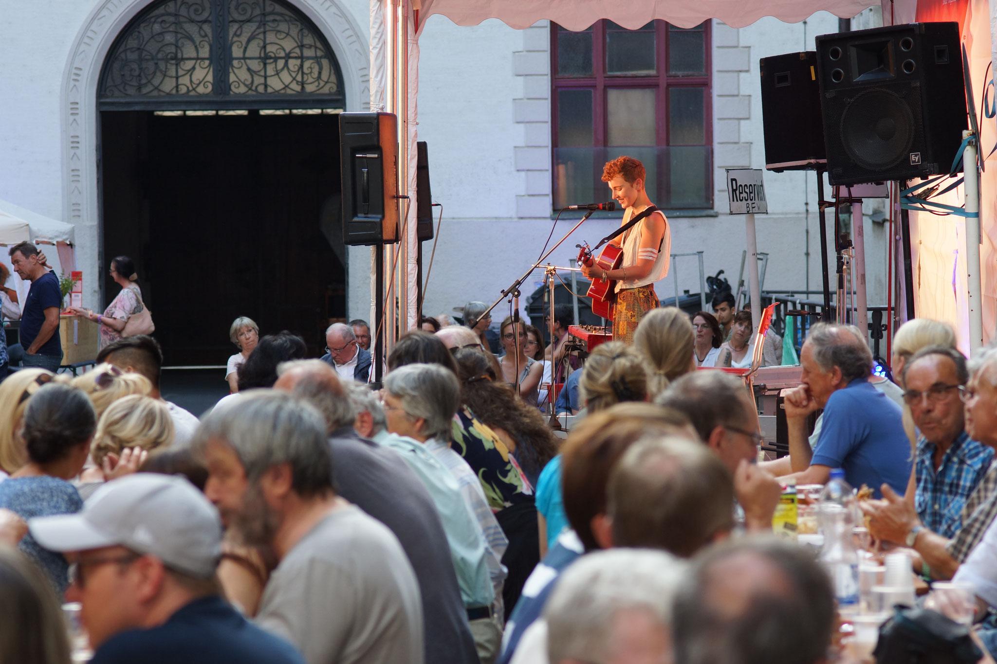 Konzerte im Bürgerhof 06.07.17 Ala Cya - Freiwilligen-Zentrum Augsburg - Foto: Crayfish