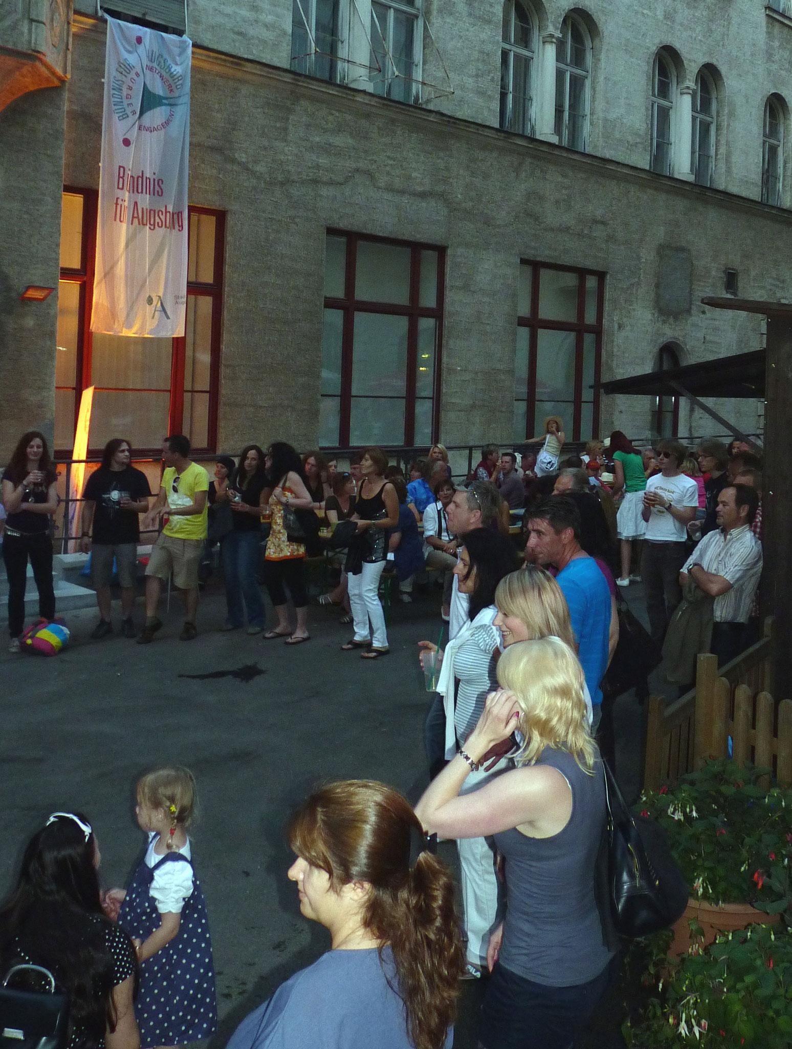 Konzerte im Bürgerhof 26.06.10 - Freiwilligen-Zentrum Augsburg - Foto: Martin Schönberger
