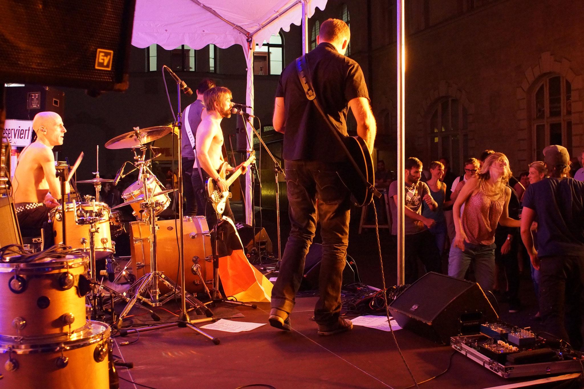 Konzerte im Bürgerhof 07.07.16 Hörstreich - Freiwilligen-Zentrum Augsburg - Foto: Crayfish