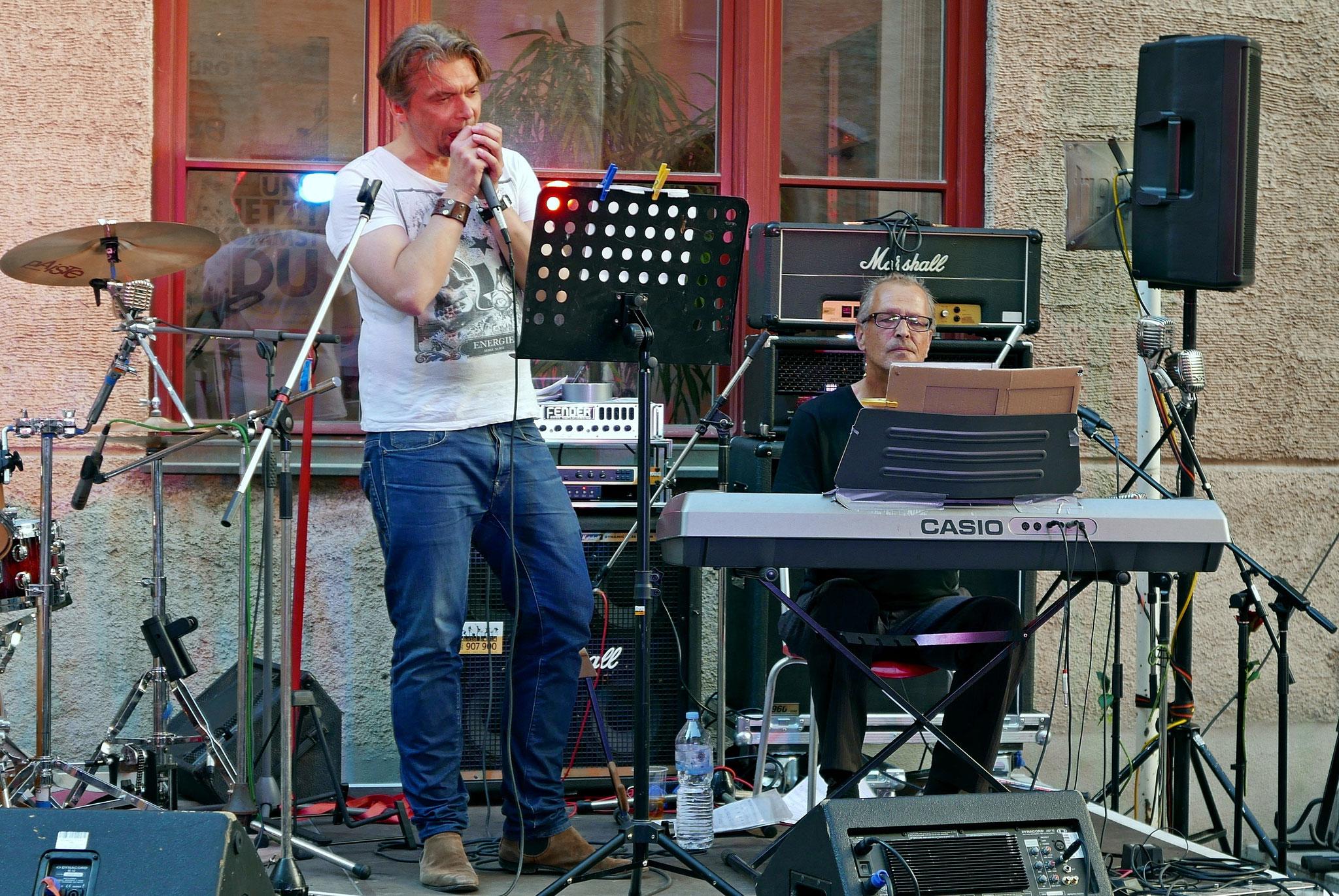 Konzerte im Bürgerhof 02.07.15 Rauchen verboten - Freiwilligen-Zentrum Augsburg - Foto: Christoph Urban