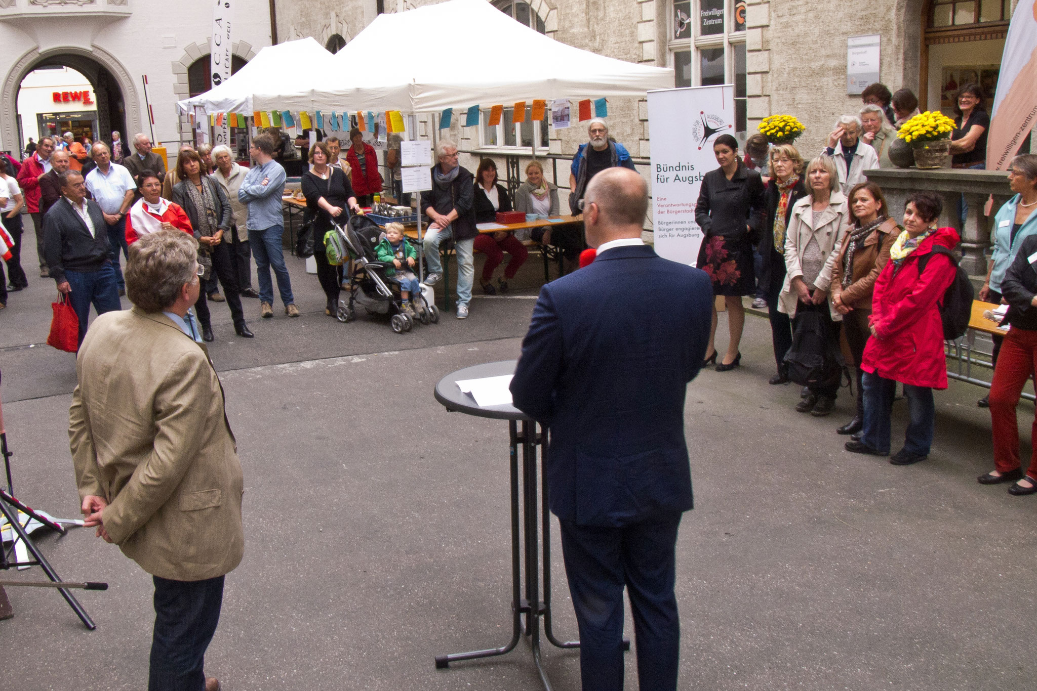 10 Jahre Freiwilligen-Zentrum Augsburg im Bürgertreff- Bürgerhof 2014 - Foto: Robert Hösle