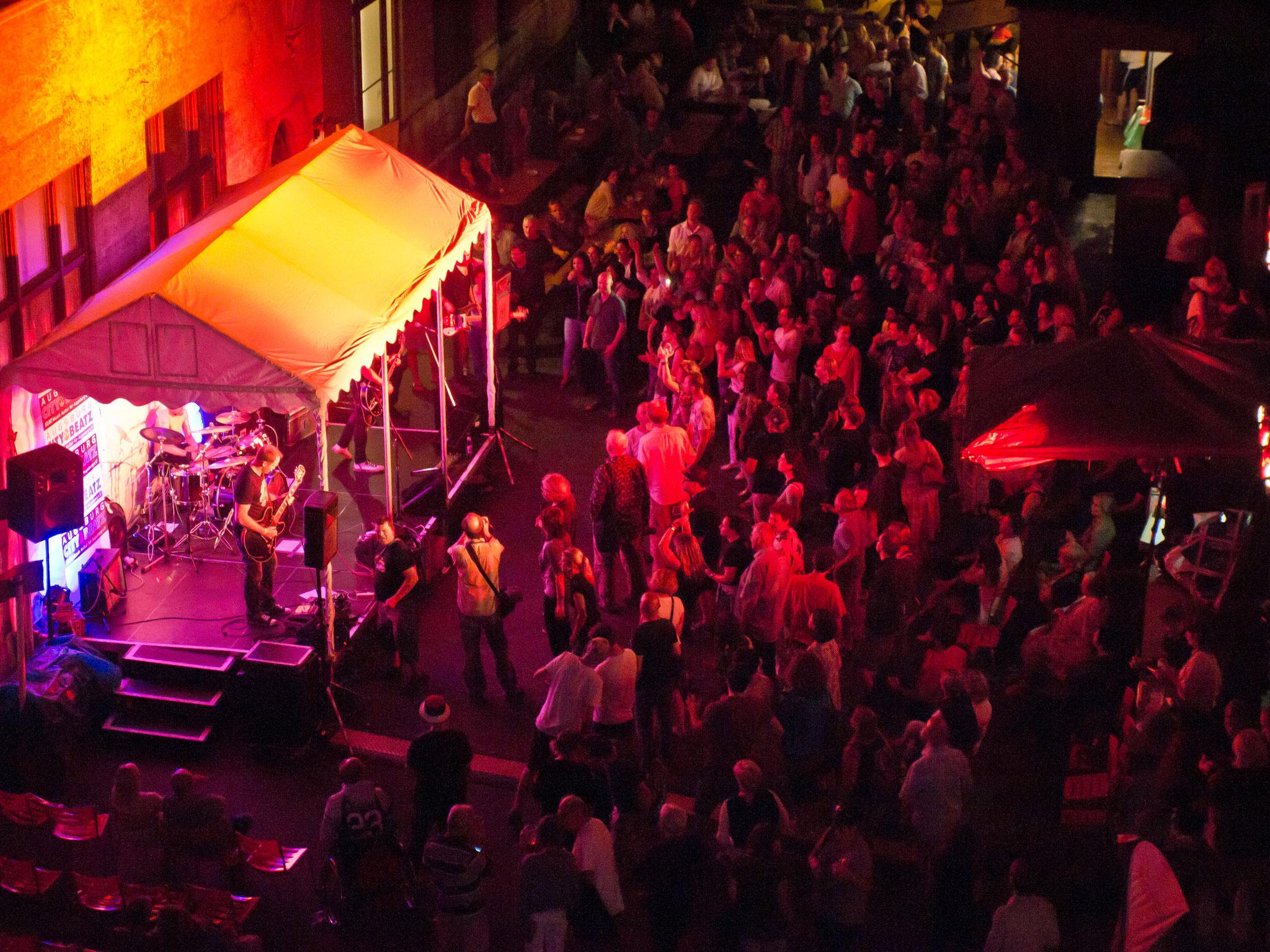Konzerte im Bürgerhof 08.07.17 - Freiwilligen-Zentrum Augsburg - Foto: Robert Hösle