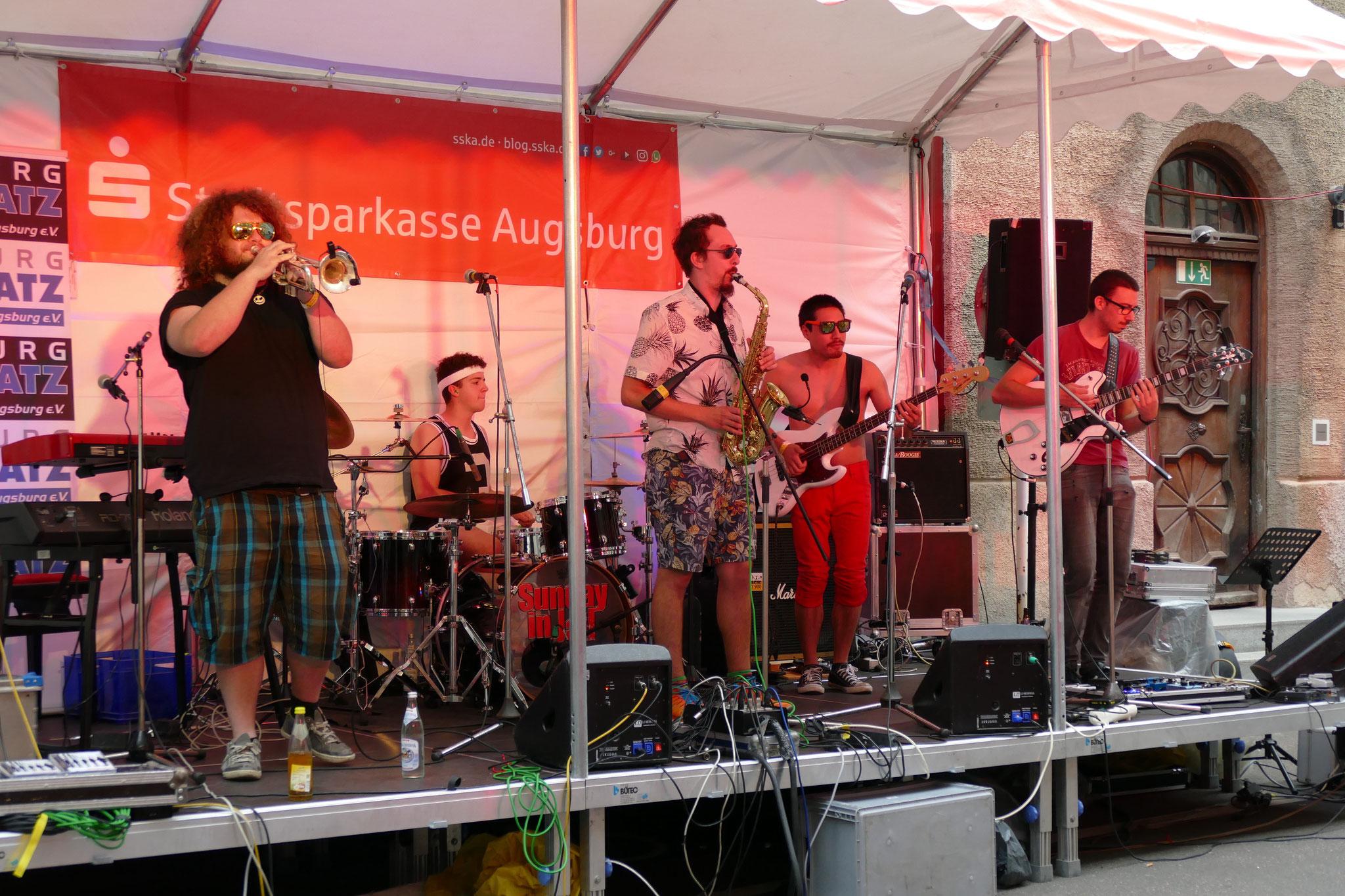 Konzerte im Bürgerhof 07.07.17 The Big Band Theory - Freiwilligen-Zentrum Augsburg - Foto: Christoph Urban
