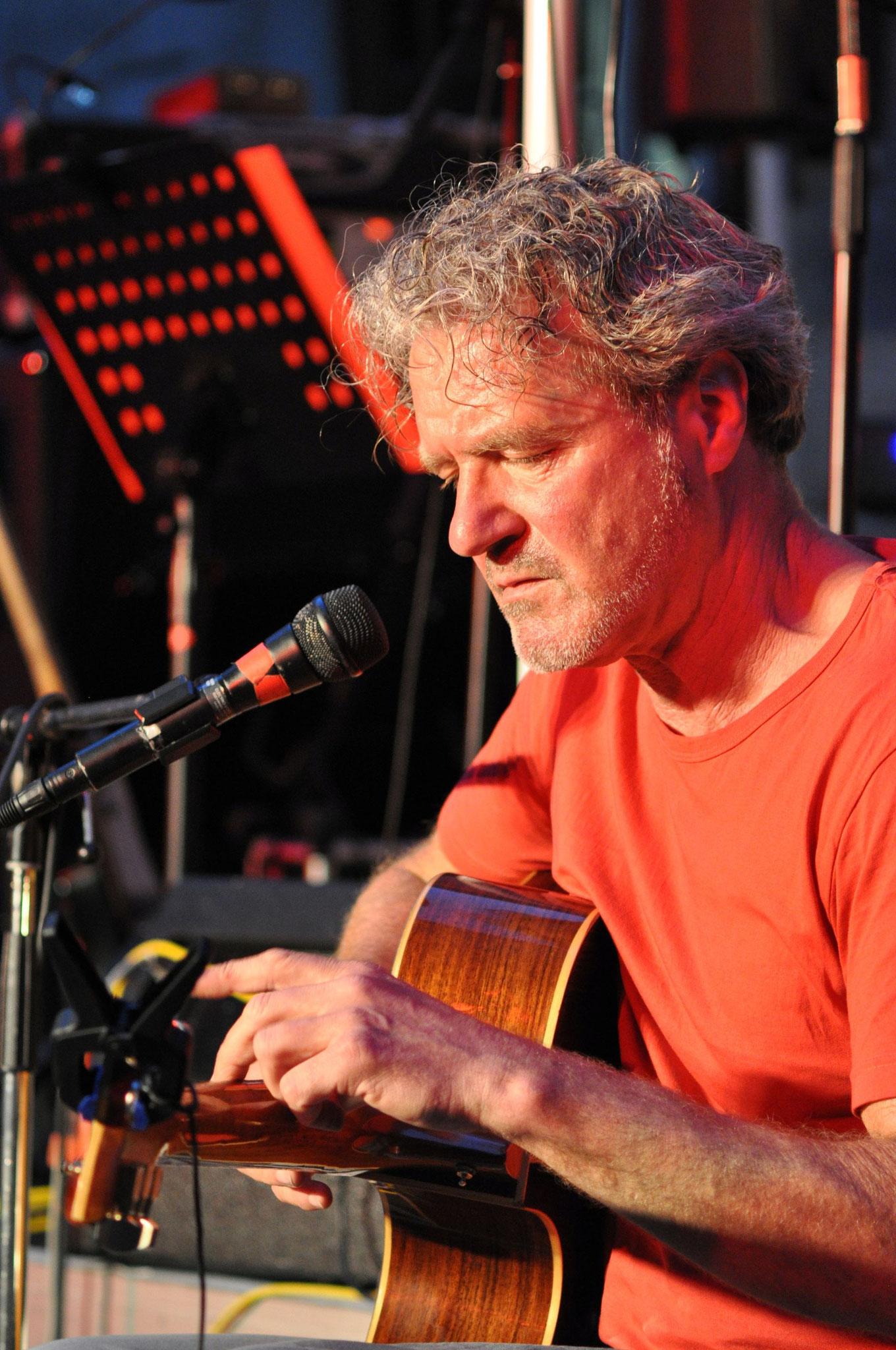 Konzerte im Bürgerhof 23.06.2012 Dieter Bornschlegel - Freiwilligen-Zentrum Augsburg - Foto: Martin Schönberger