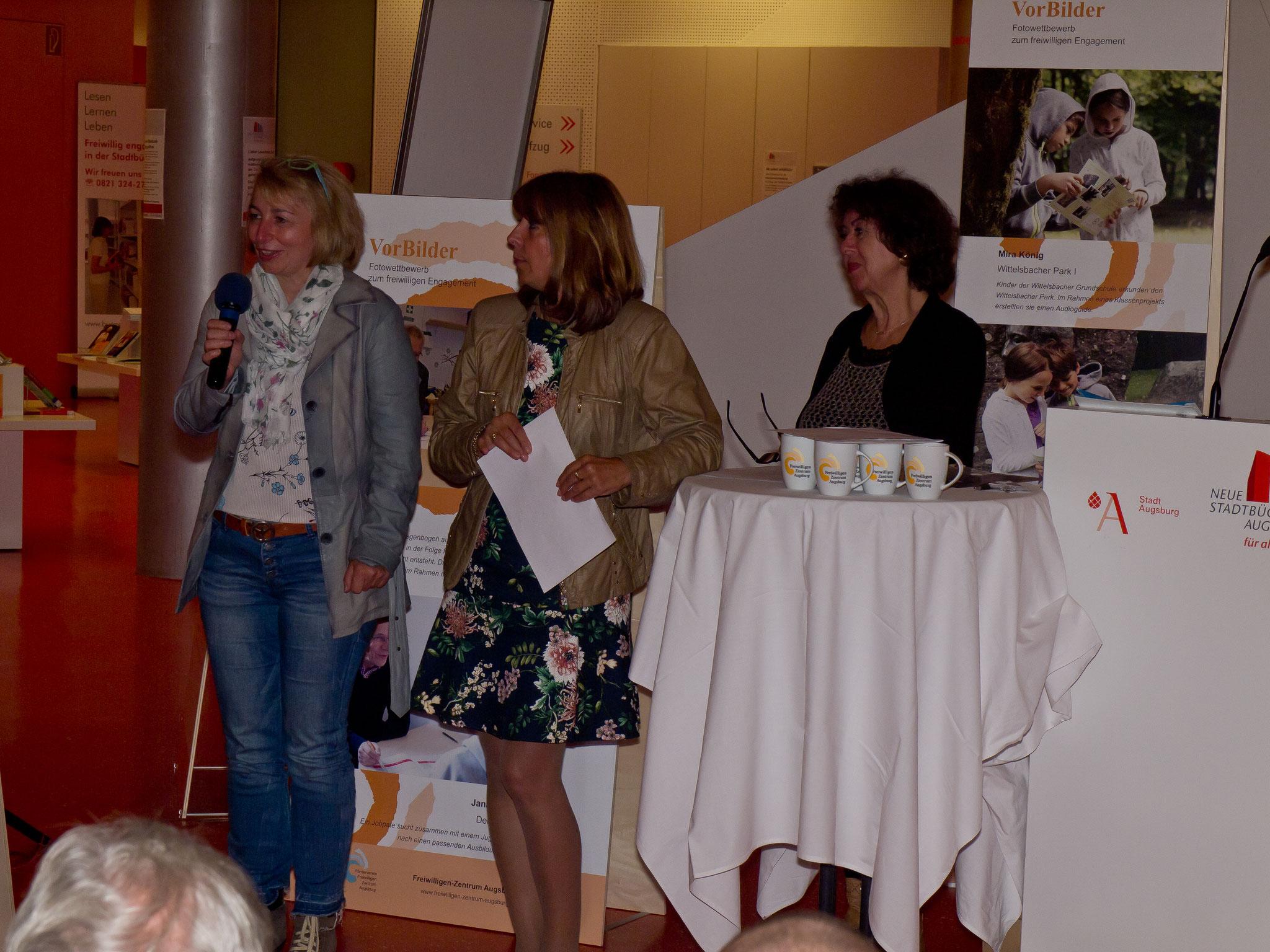 VorBilder Vernissage Stadtbücherei Augsburg 14.09.17 - Freiwilligen-Zentrum Augsburg - Foto: Robert Hösle
