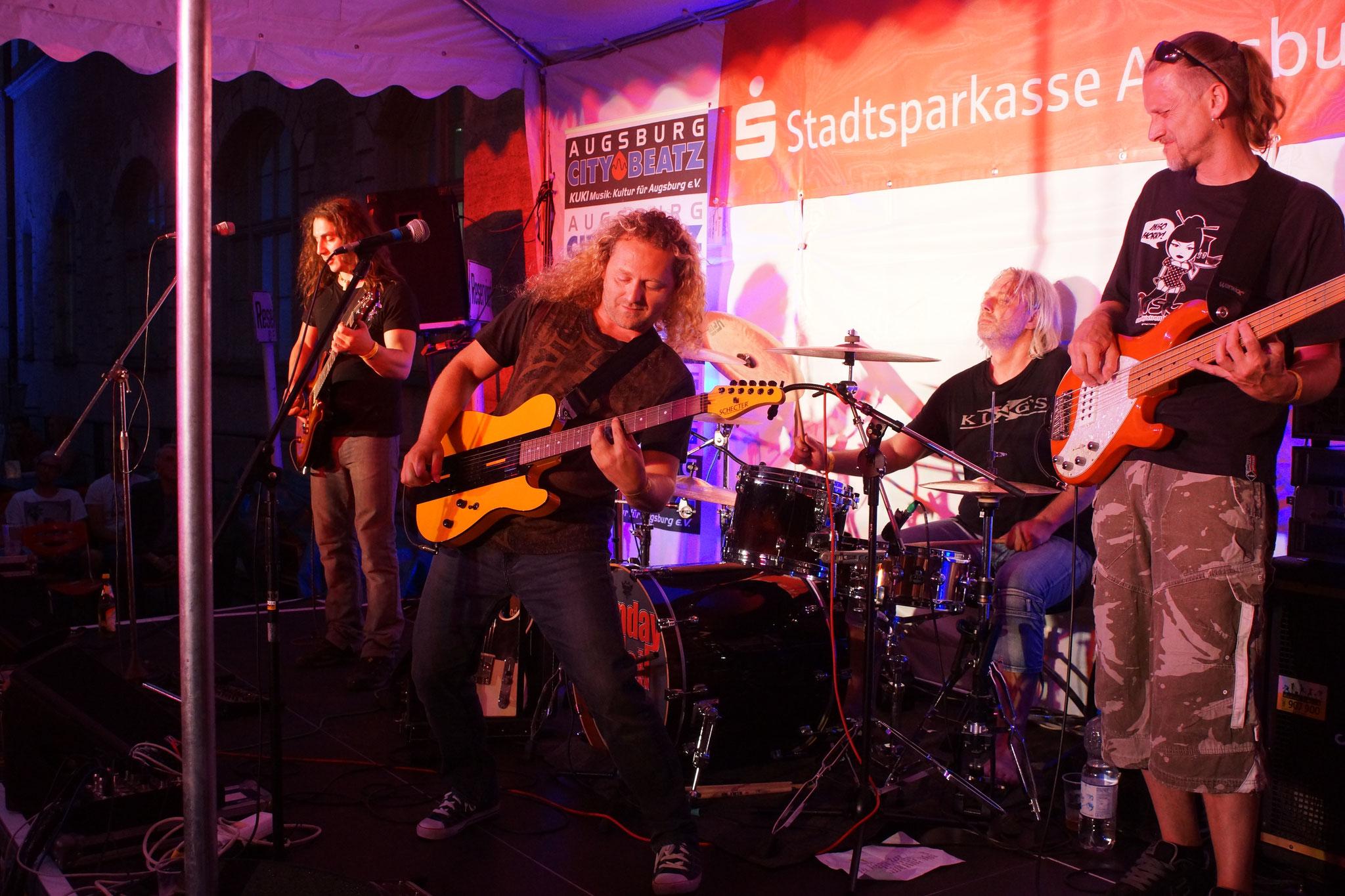 Konzerte im Bürgerhof 08.07.17 Hush - Freiwilligen-Zentrum Augsburg - Foto: Crayfish