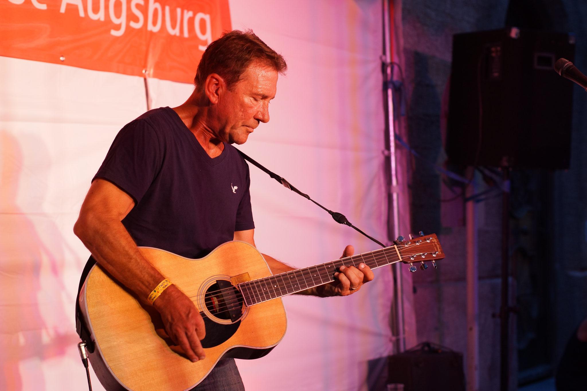 Konzerte im Bürgerhof 06.07.17 Byron - Freiwilligen-Zentrum Augsburg - Foto: Crayfish