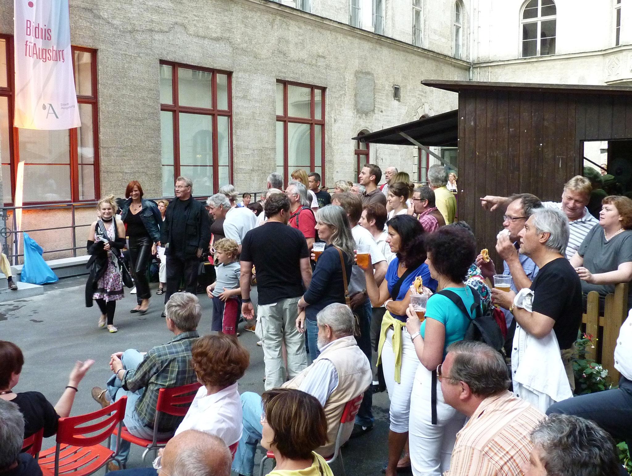 Konzerte im Bürgerhof 25.06.10 - Freiwilligen-Zentrum Augsburg - Foto: Martin Schönberger