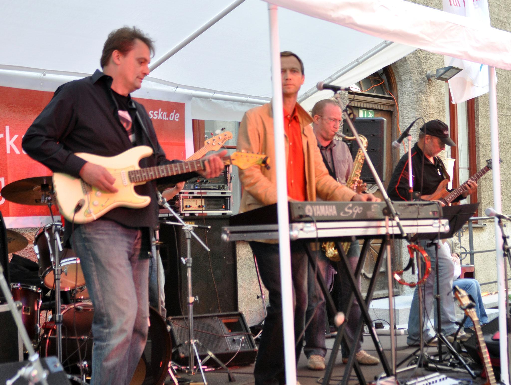 Konzerte im Bürgerhof 15.07.11 Tabu - Freiwilligen-Zentrum Augsburg - Foto: Martin Schönberger