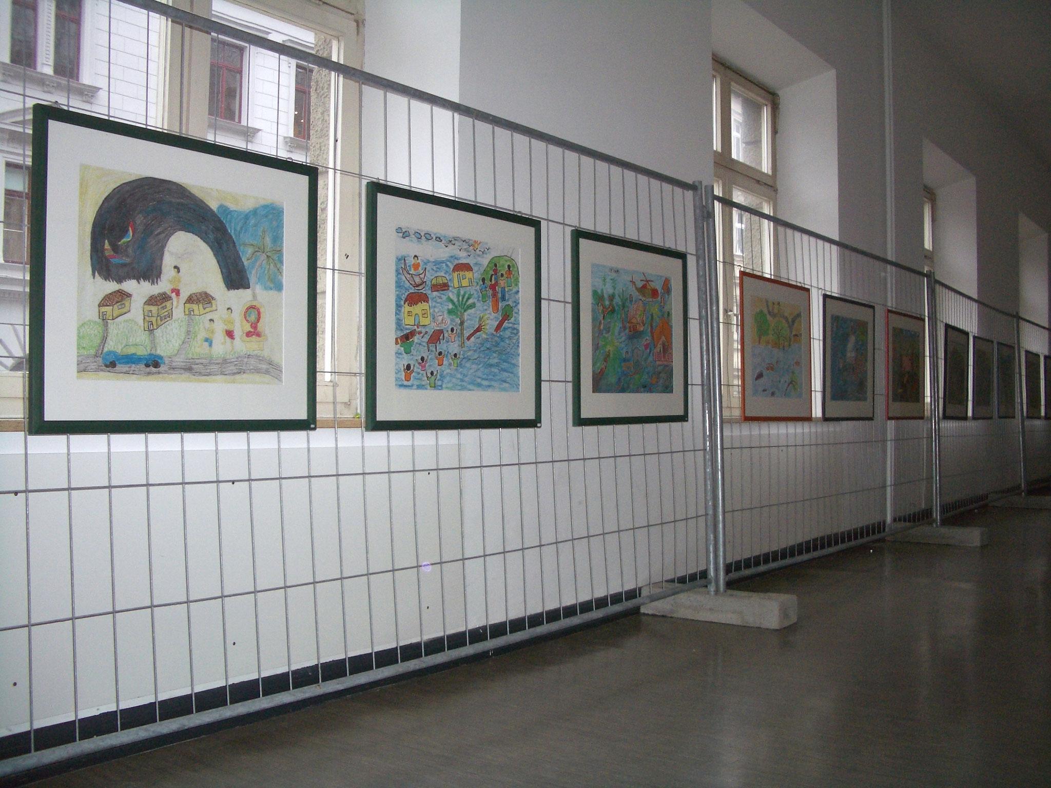 Freiwilligen-Zentrum Augsburg - Tsunami-Wanderausstellung 2005 Ulrichschule - Foto: Wolfgang F. Lightmaster