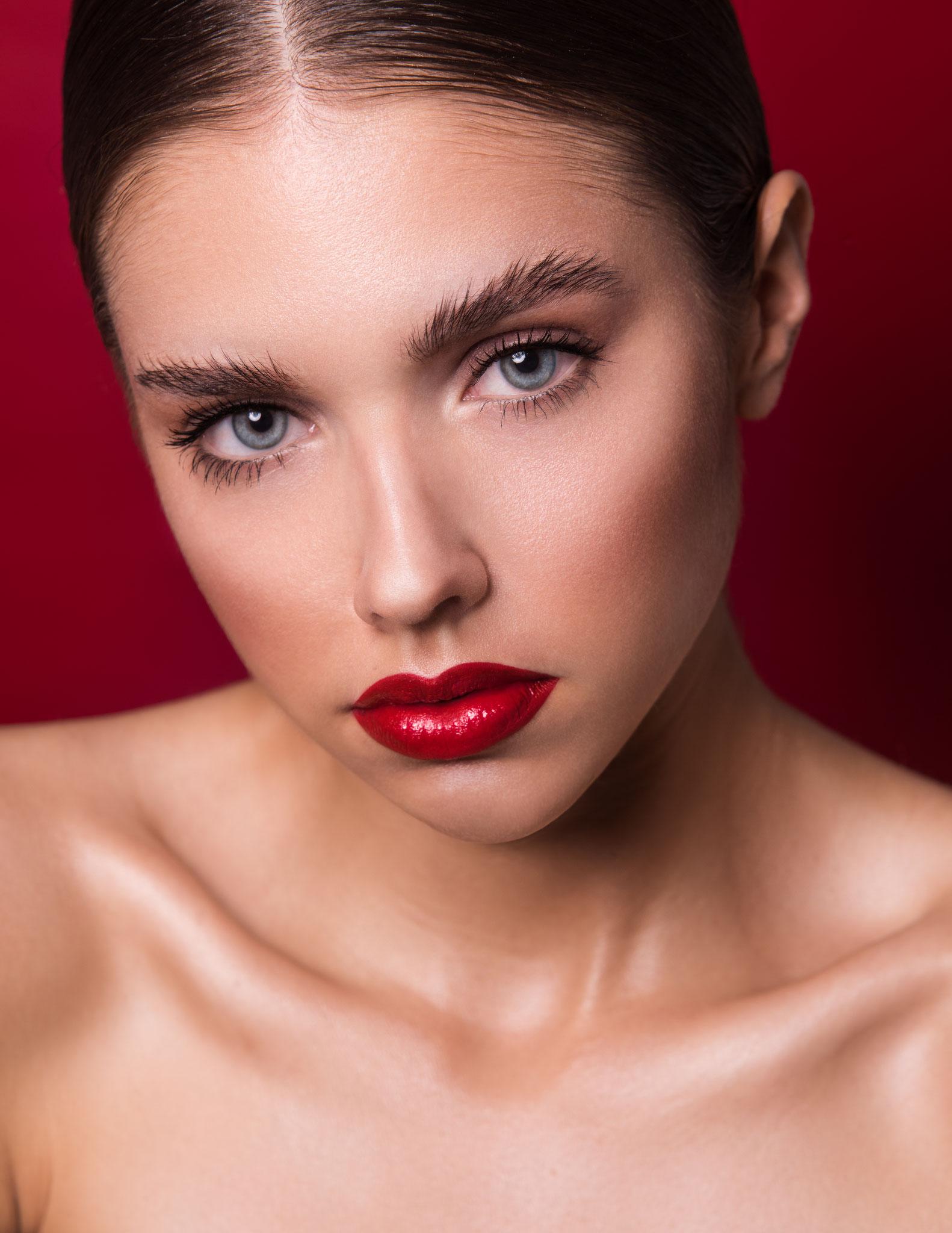 PHOTOGRAPHER Daniela Mere MODEL Benita
