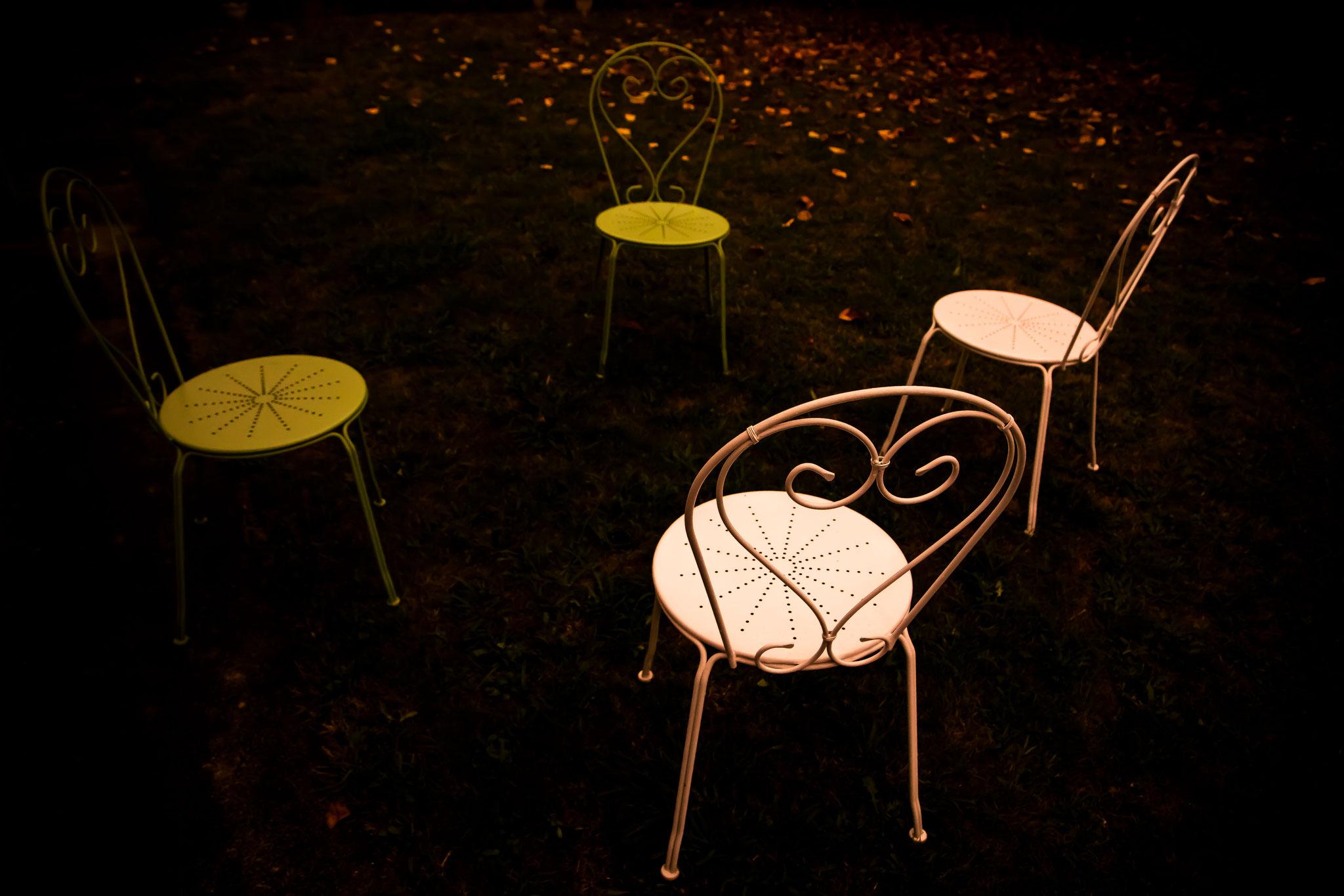 Der weiße Stuhl