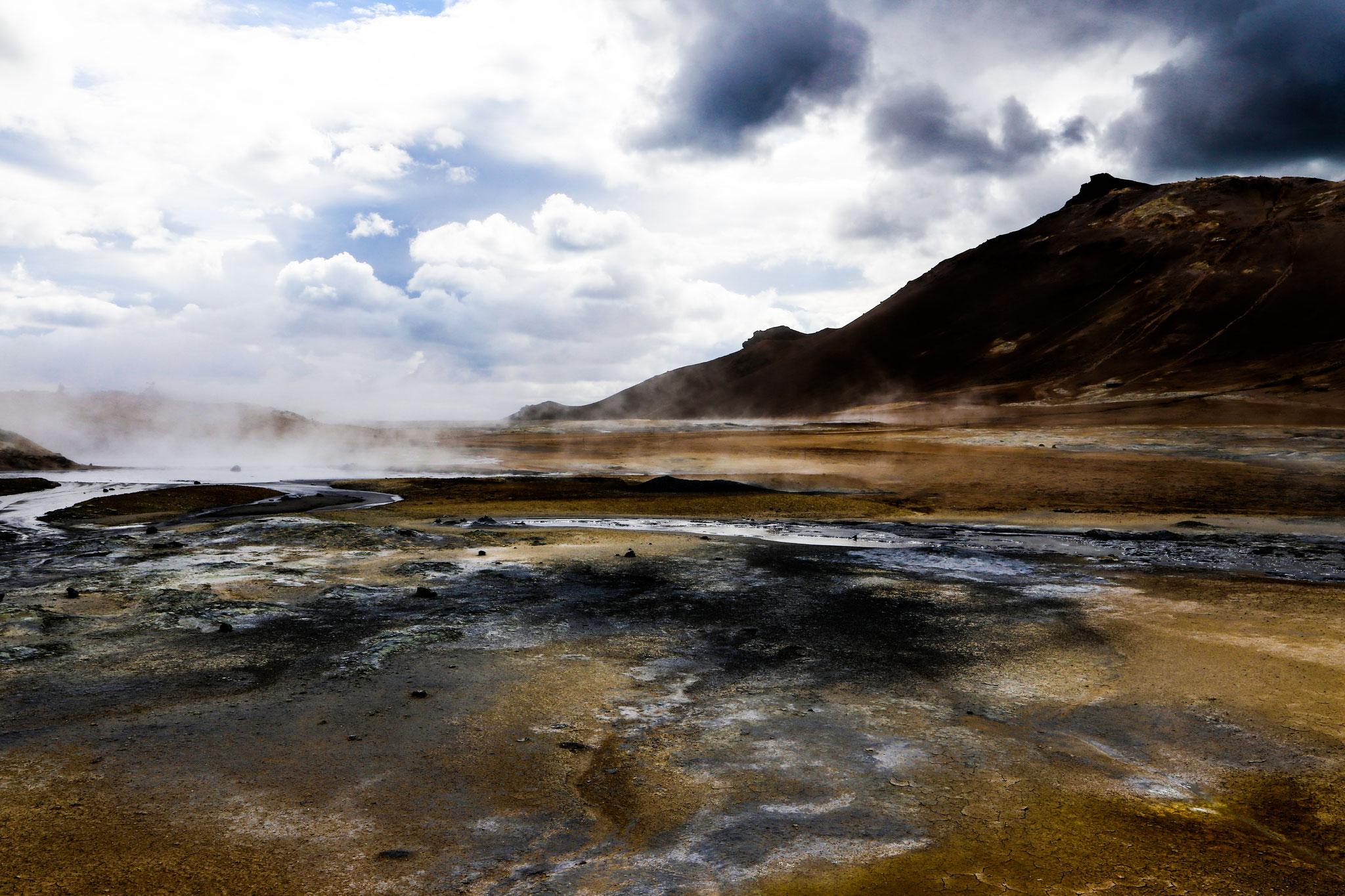 Hochtemperaturgebiet Hverarönd am Berg Námafjall