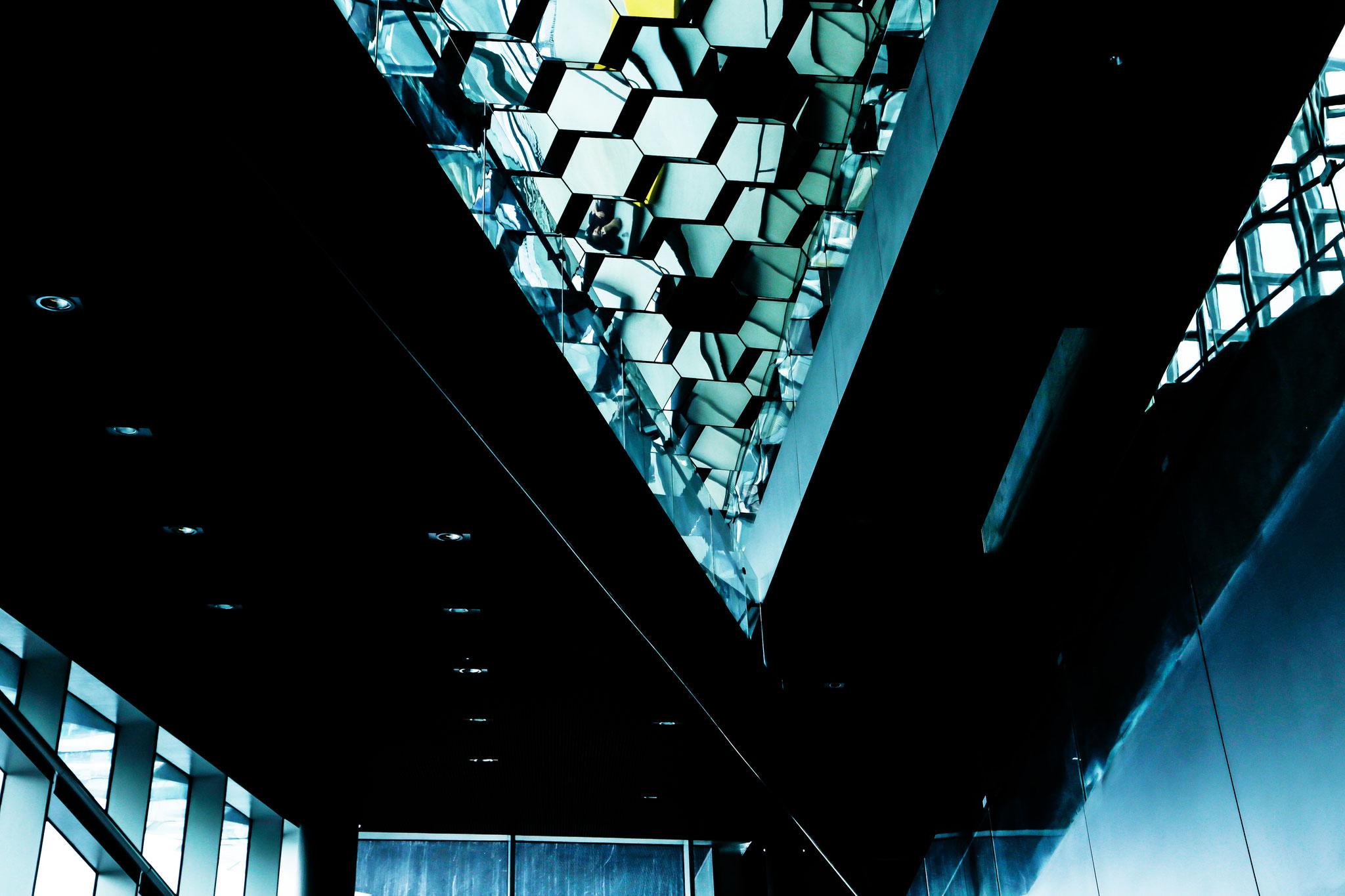 Größte Konzerthalle Skandinaviens, 43 m hoch.