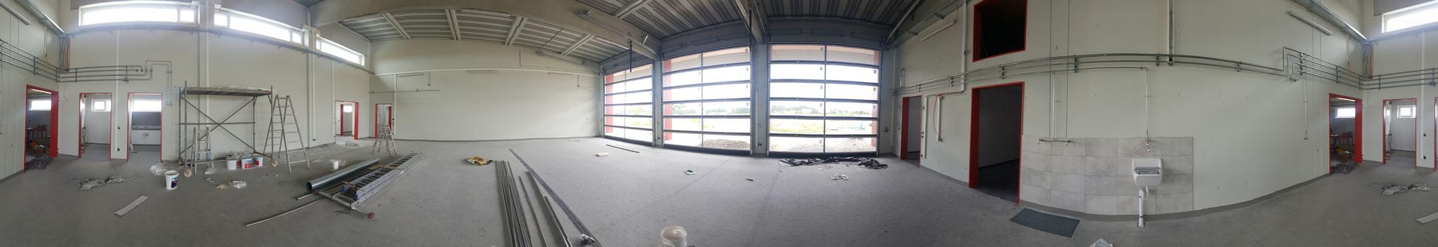 Fahrzeughalle (Panoramabild)