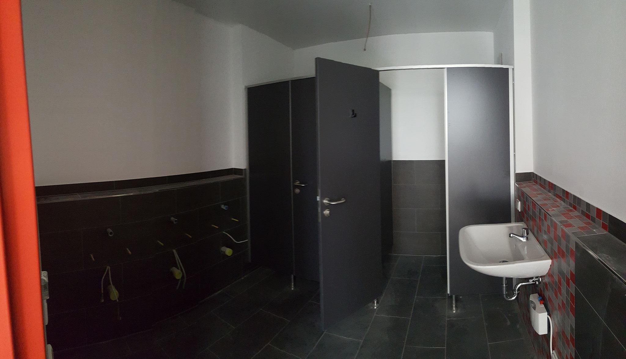 Toiletten Herren (Panoramabild)
