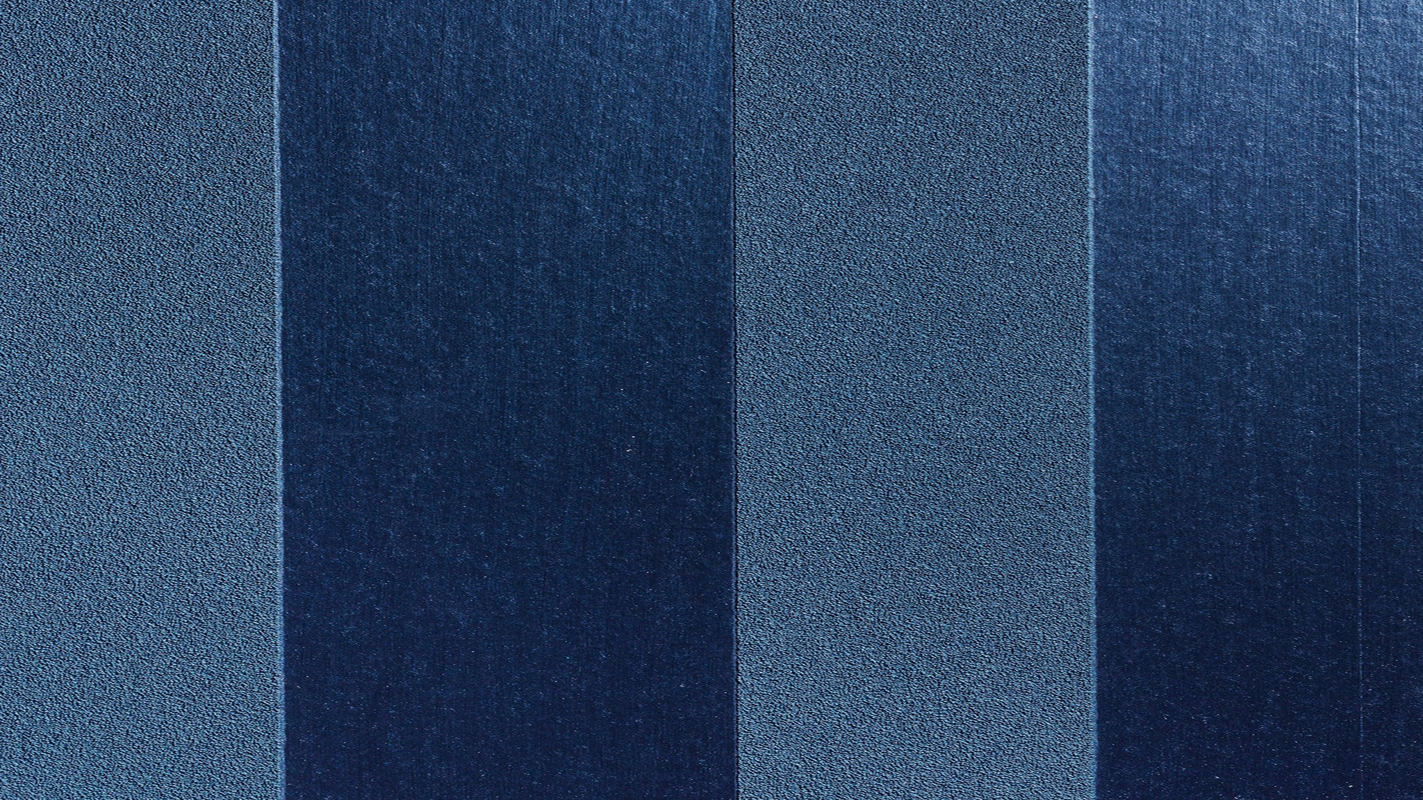 Ribbons - Metallicfarben verleihen der Oberfläche moderne Eleganz. Farbton: 35821M