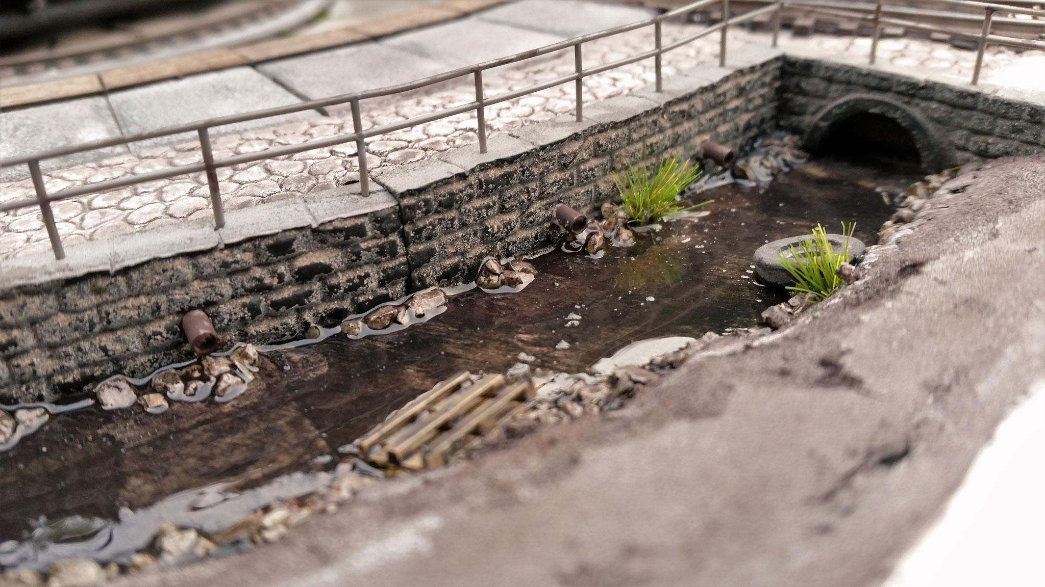 Der vordere Teil des Grabens wird noch begrünt, dies folgt aber erst im September...