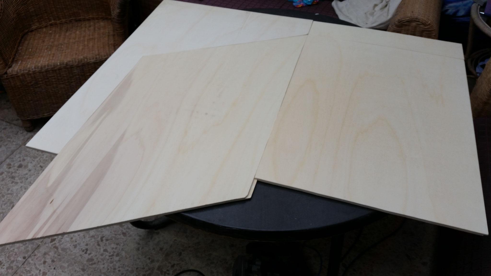 Segmentplatten zugeschnitten und mit der Oberfräse eine Nut gefräst.