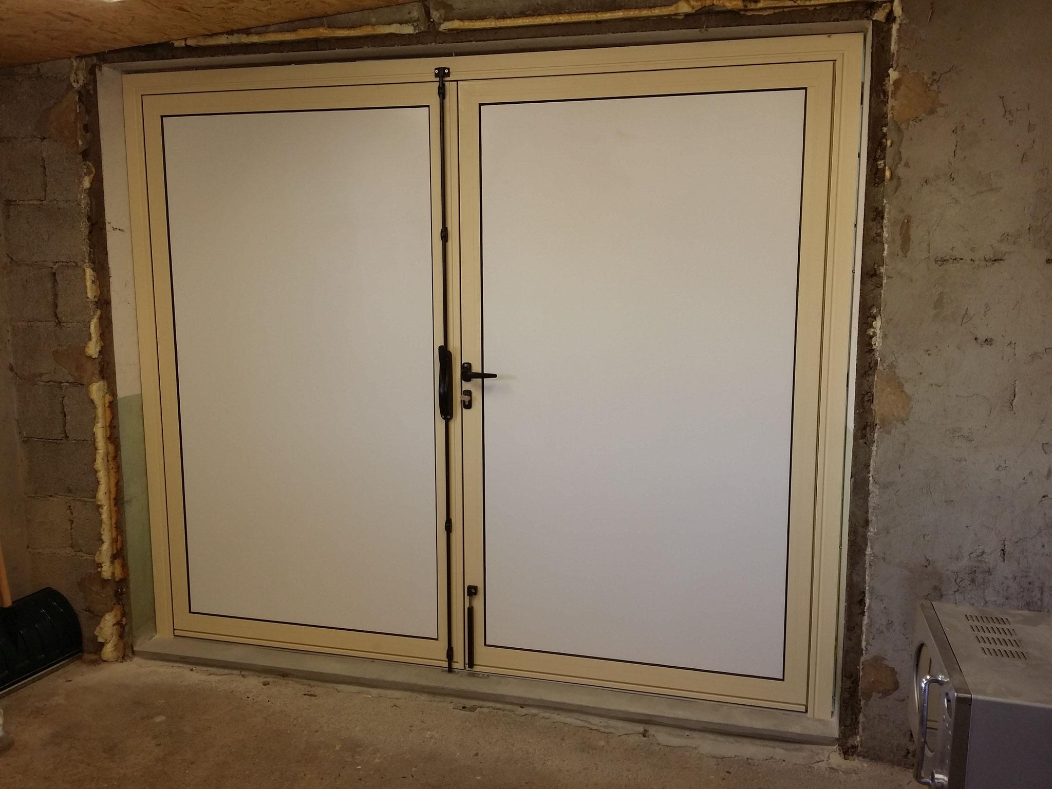 Porte de garage 2 vantaux vue intérieur