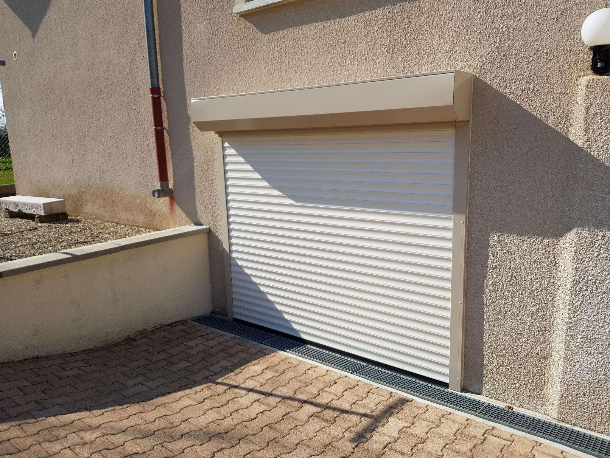 Porte de garage fermé