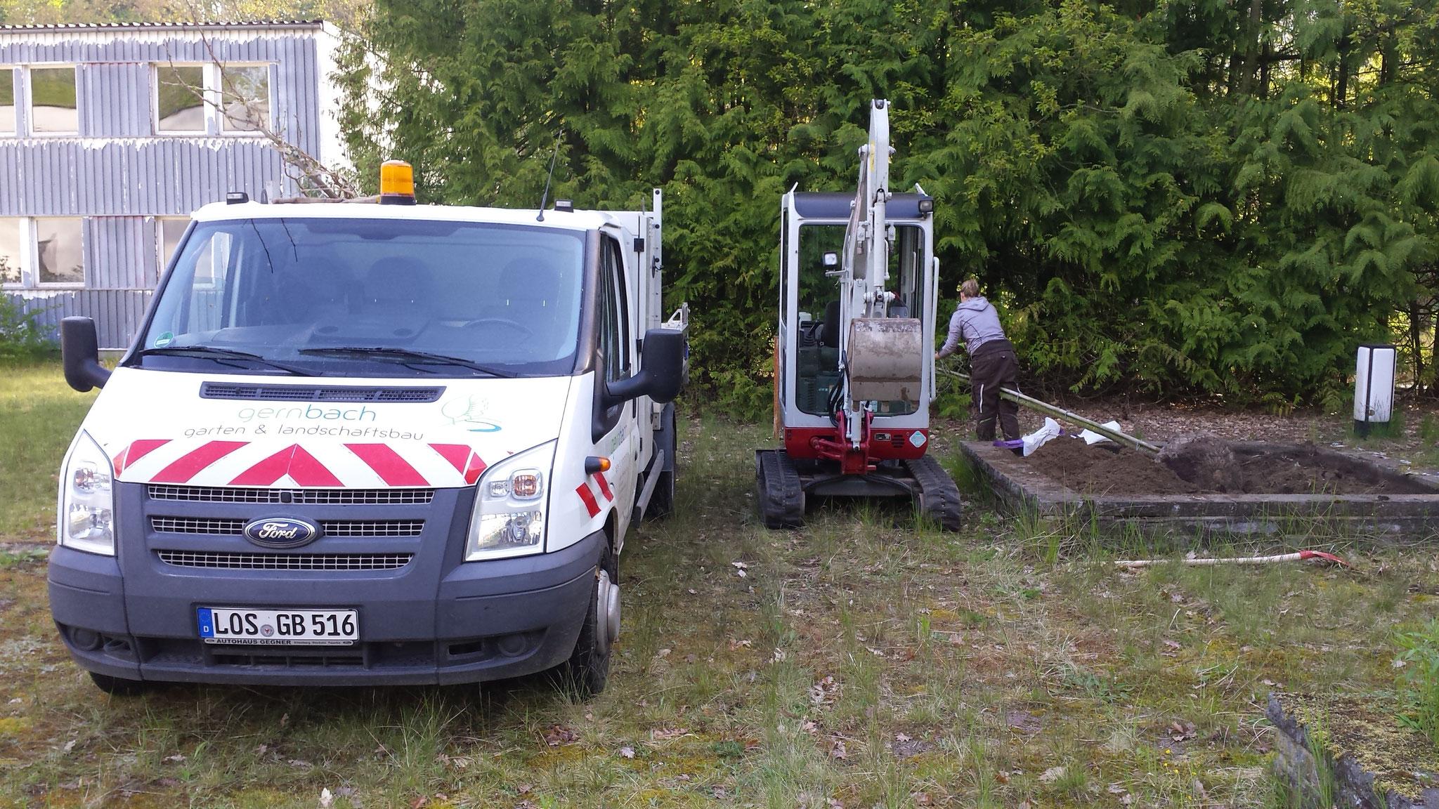 Erdarbeiten vor der Pflanzung