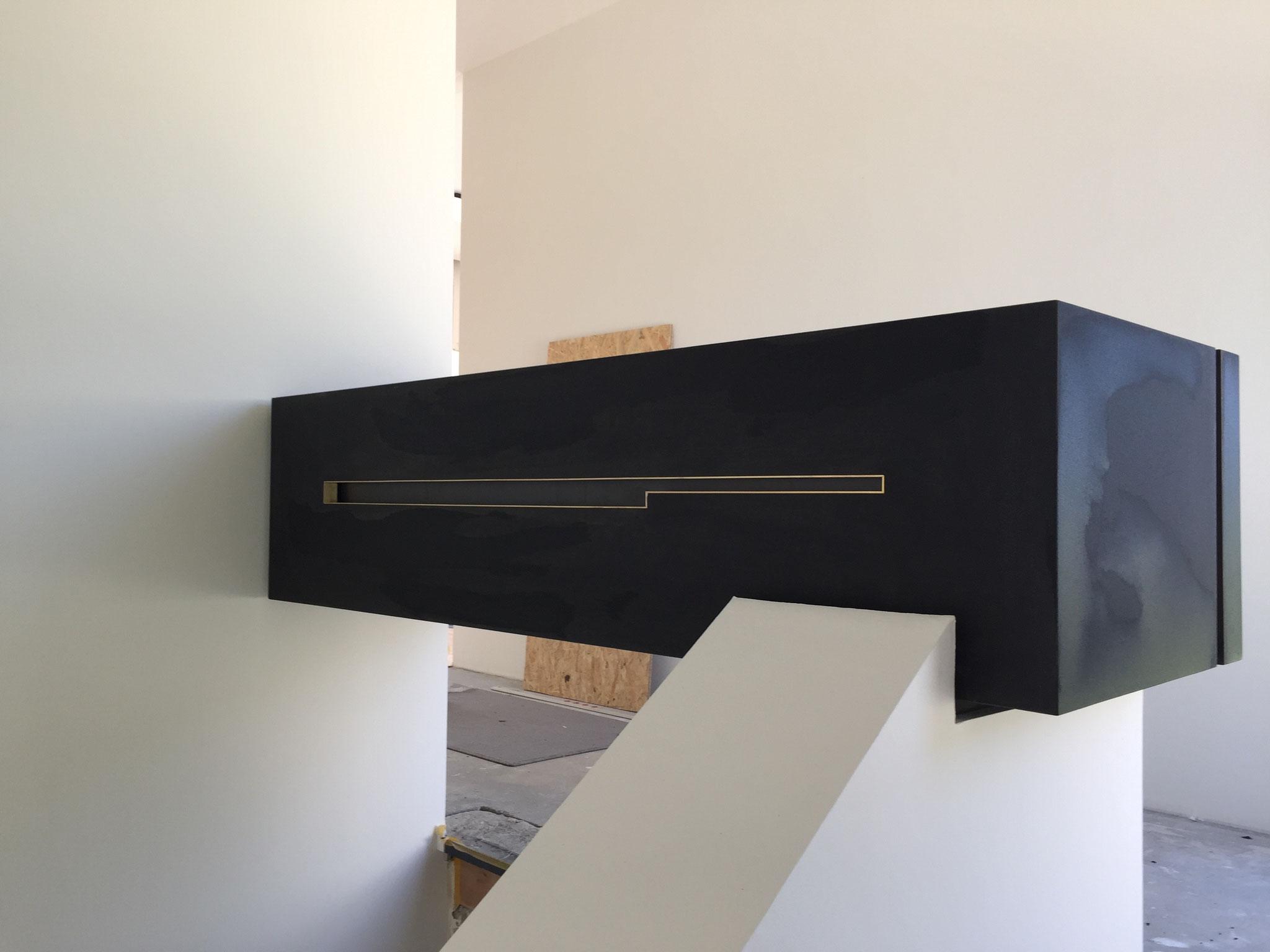 Brüstungsmöbel in Linoleum