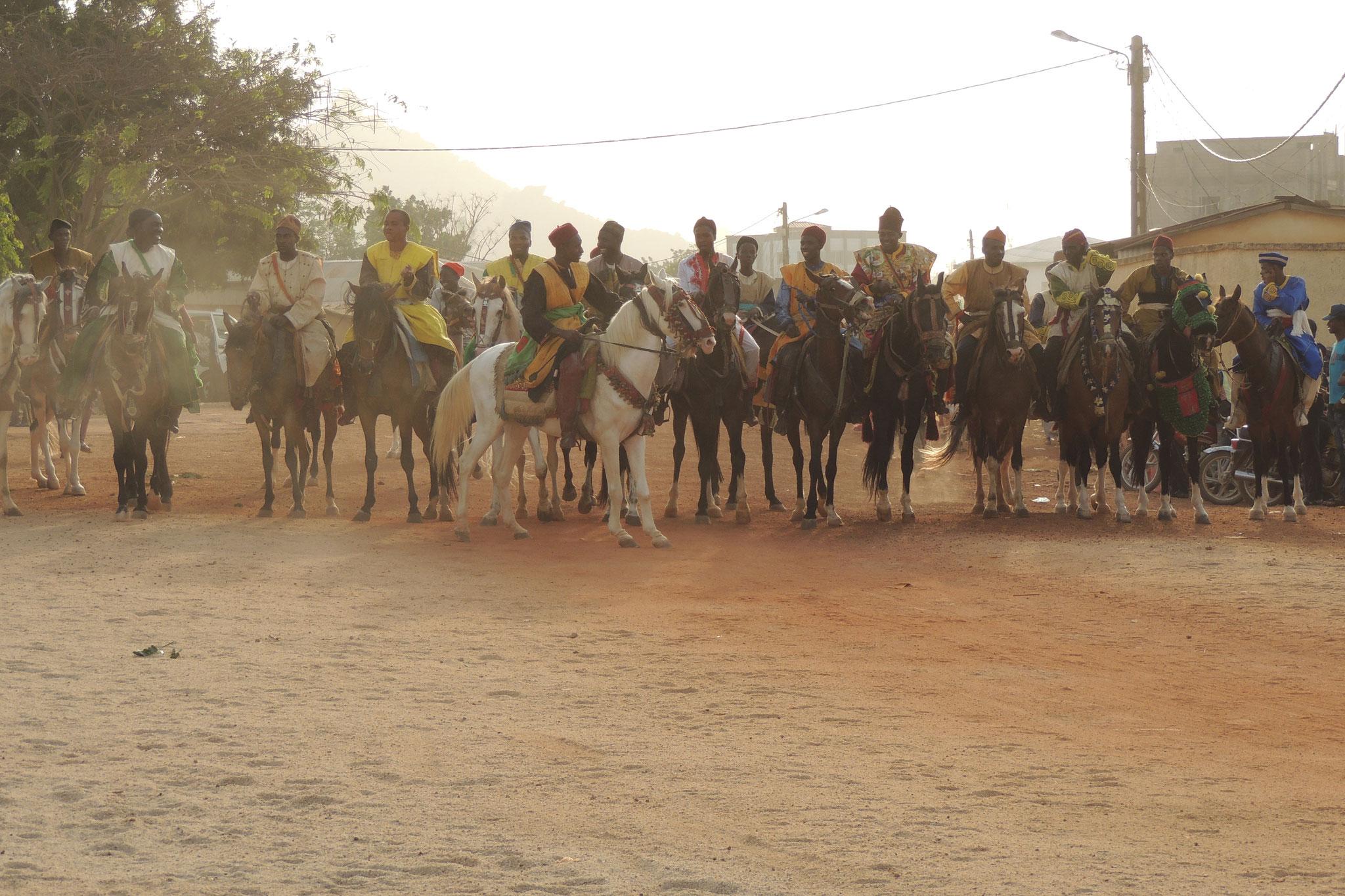 Preparados y a caballo en Ngaoundere