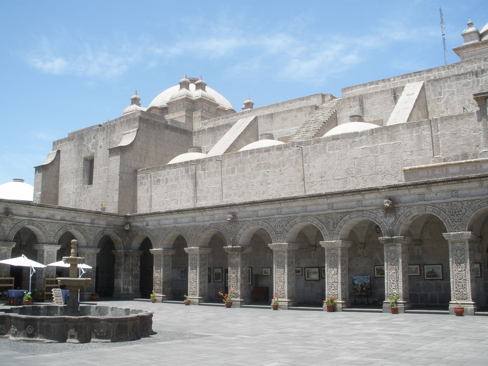 Claustro de la Compañia en Arequipa