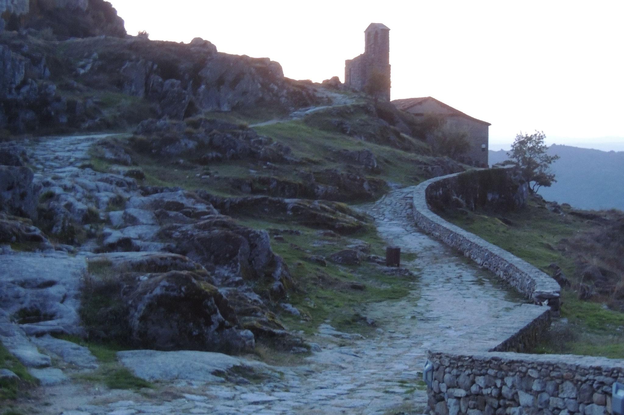 Sedero al castillo de Trevejo