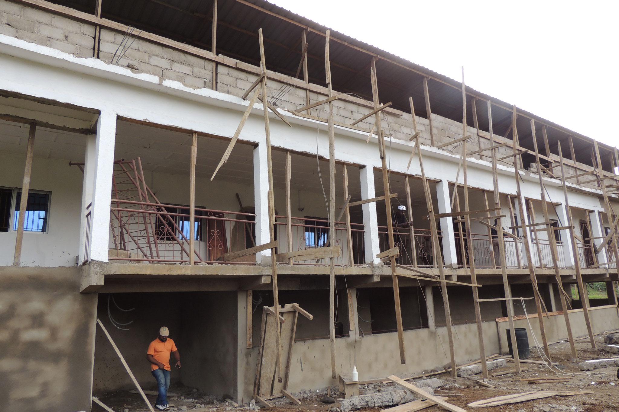 Obras en orfanato Casa de Oportunidad