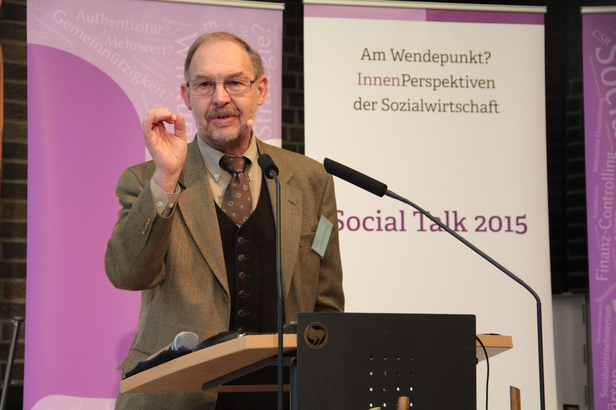 Keynote von Prof. Dr. Josef Schmid (Universität Tübingen). [Social Talk 2015] © Ehrig