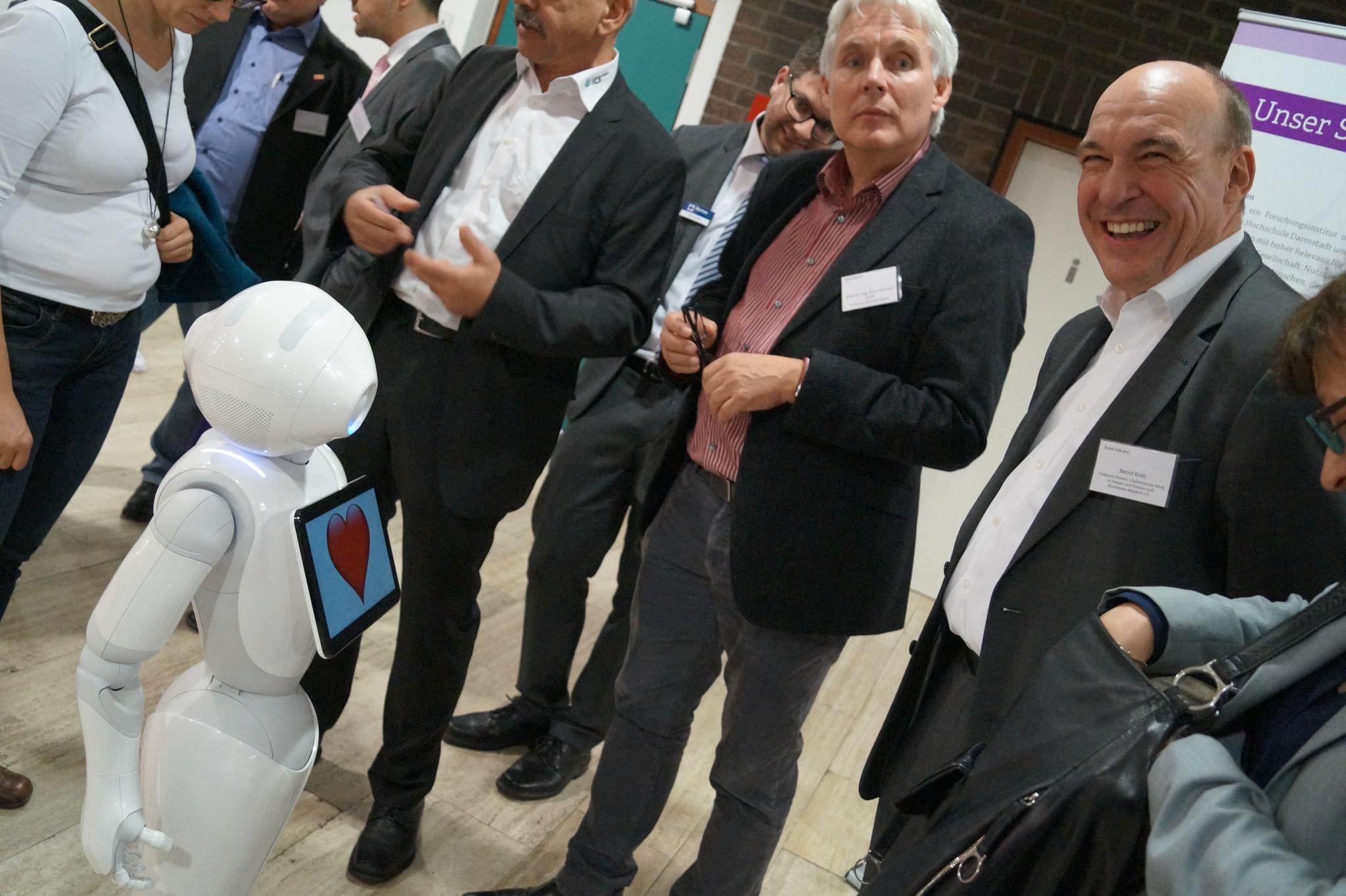 Der intelligente Roboter Pepper auf dem Social Talk 2017 © Sabine Schlitt, EKKW