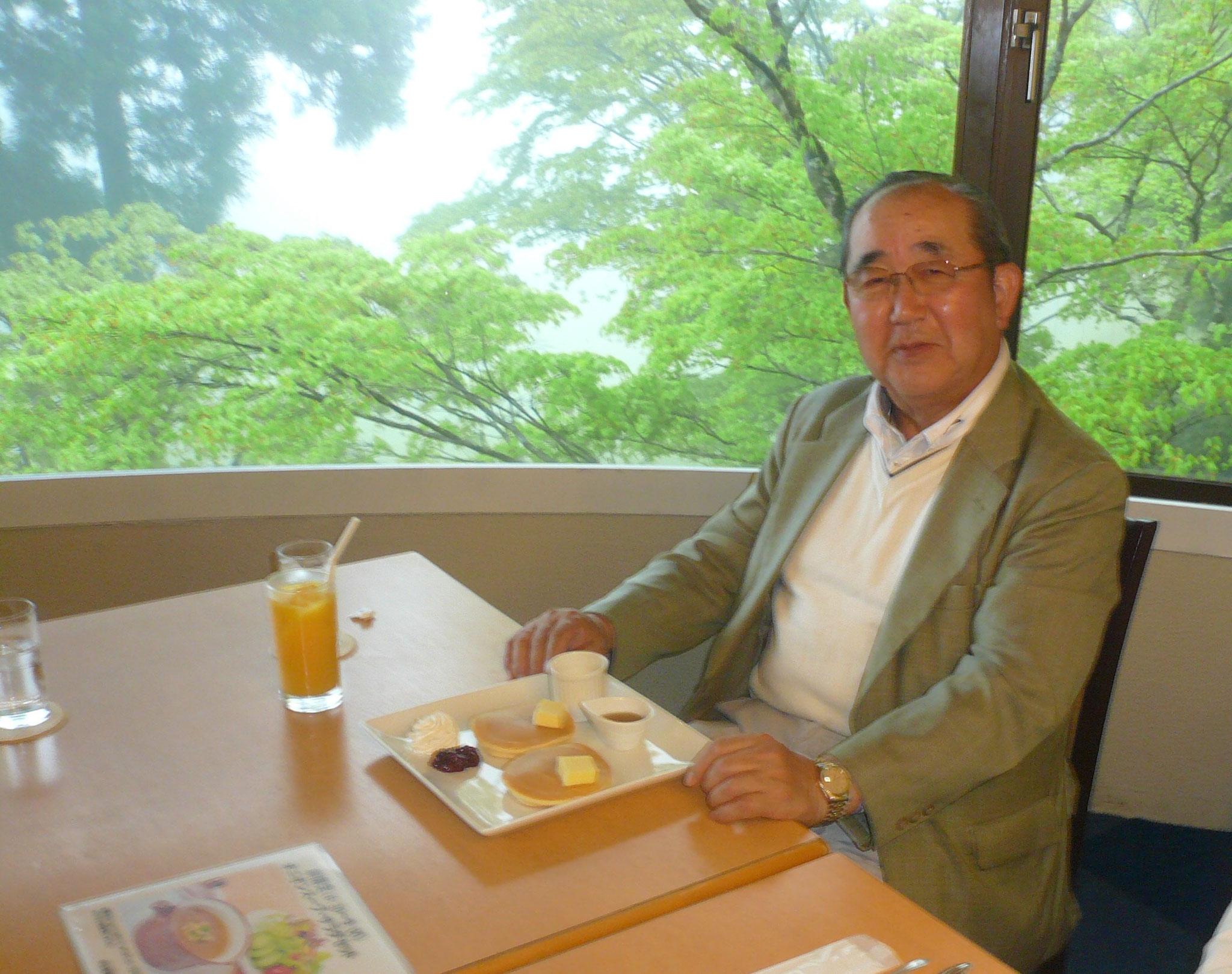 ホットケーキがよく似合う山崎さん
