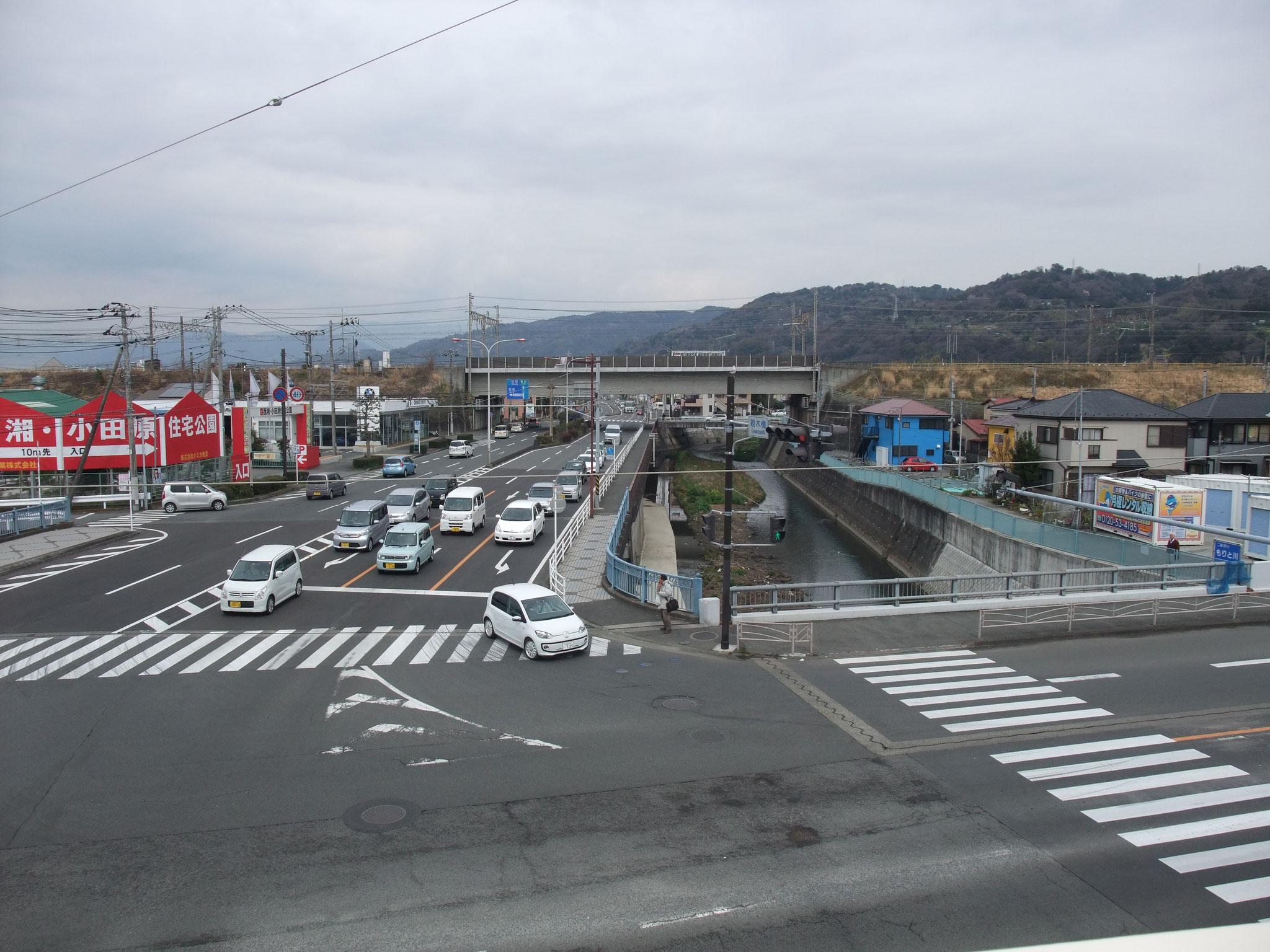 東海道の親木橋交差点