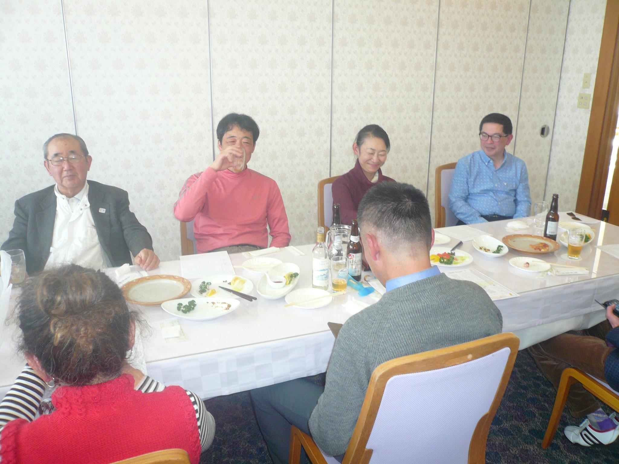 現役世代に後期高齢者も紛れ込む。一番右もう一人の世話人安田さんお世話様でした