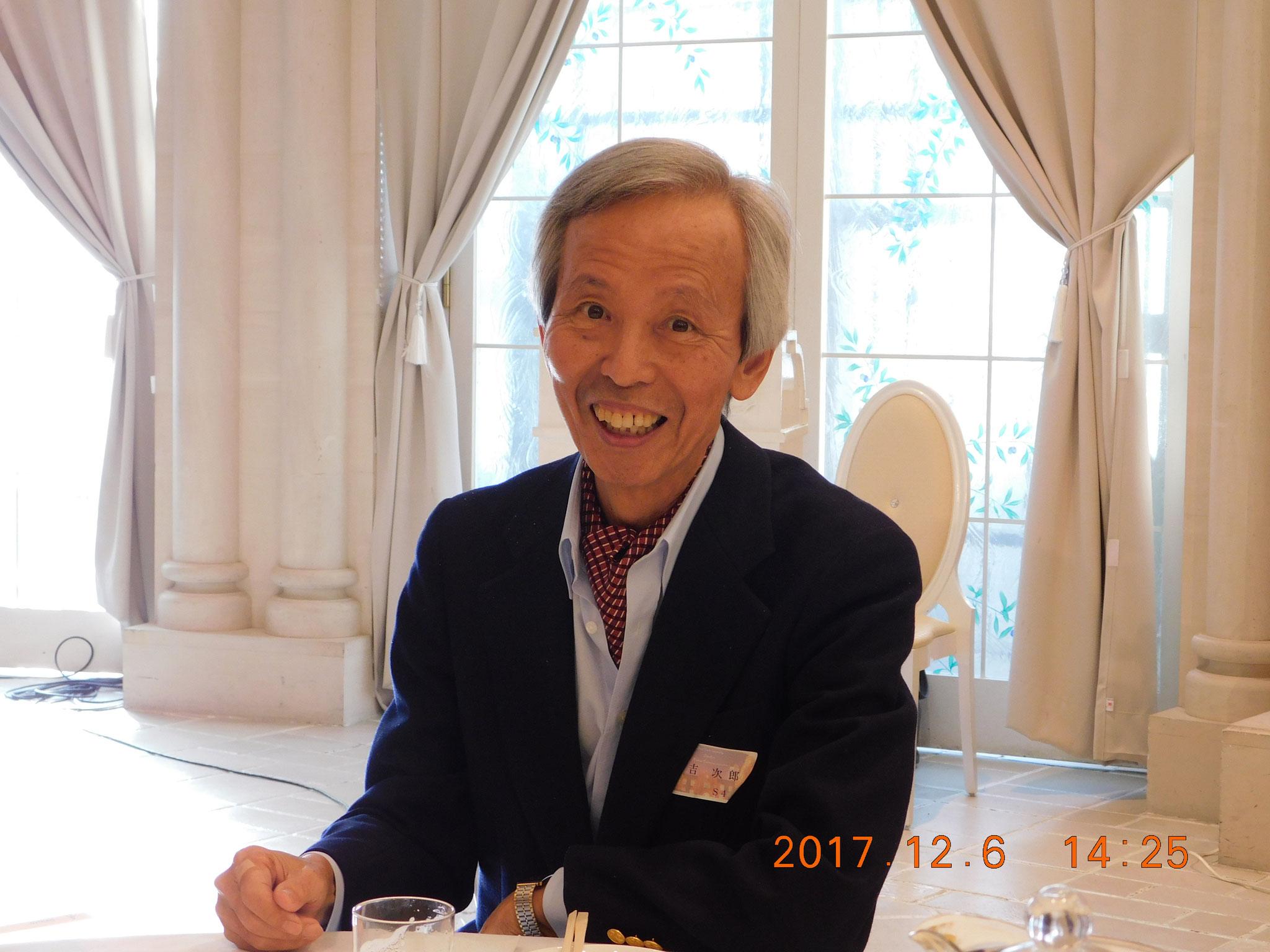 今年もテレビ東京のスポーツアナウンサーでした藤吉さんの司会で始まる豪華さ