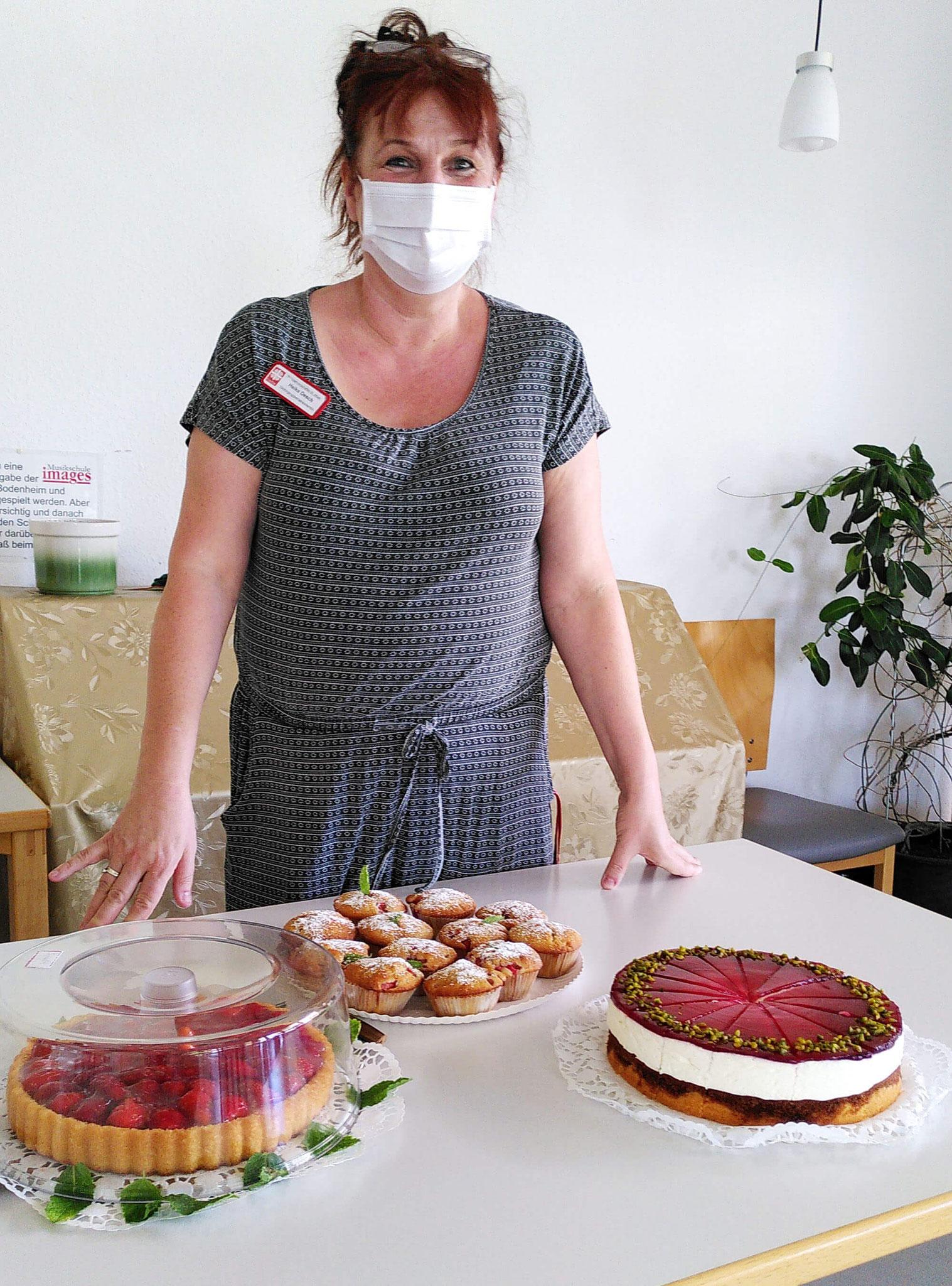 """15a_Ehrenamtskreis """"Spätlese"""", Rotkäppchenkuchen Gaby Kessel"""