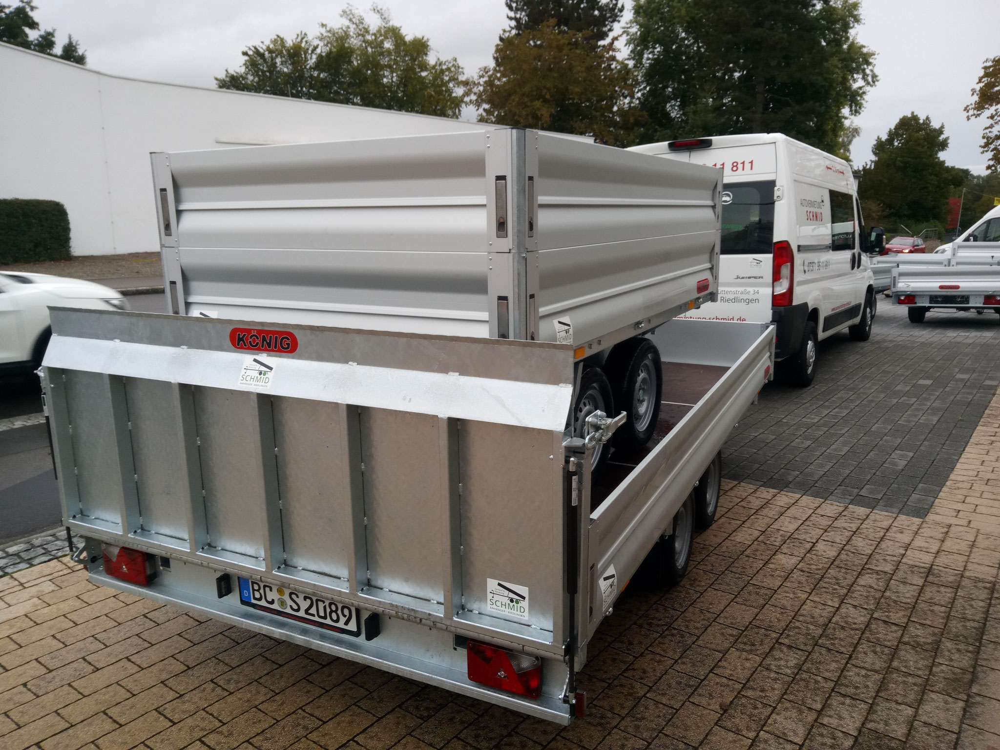 3500 kg 2600 kg Zuladung 4 x 2 Meter