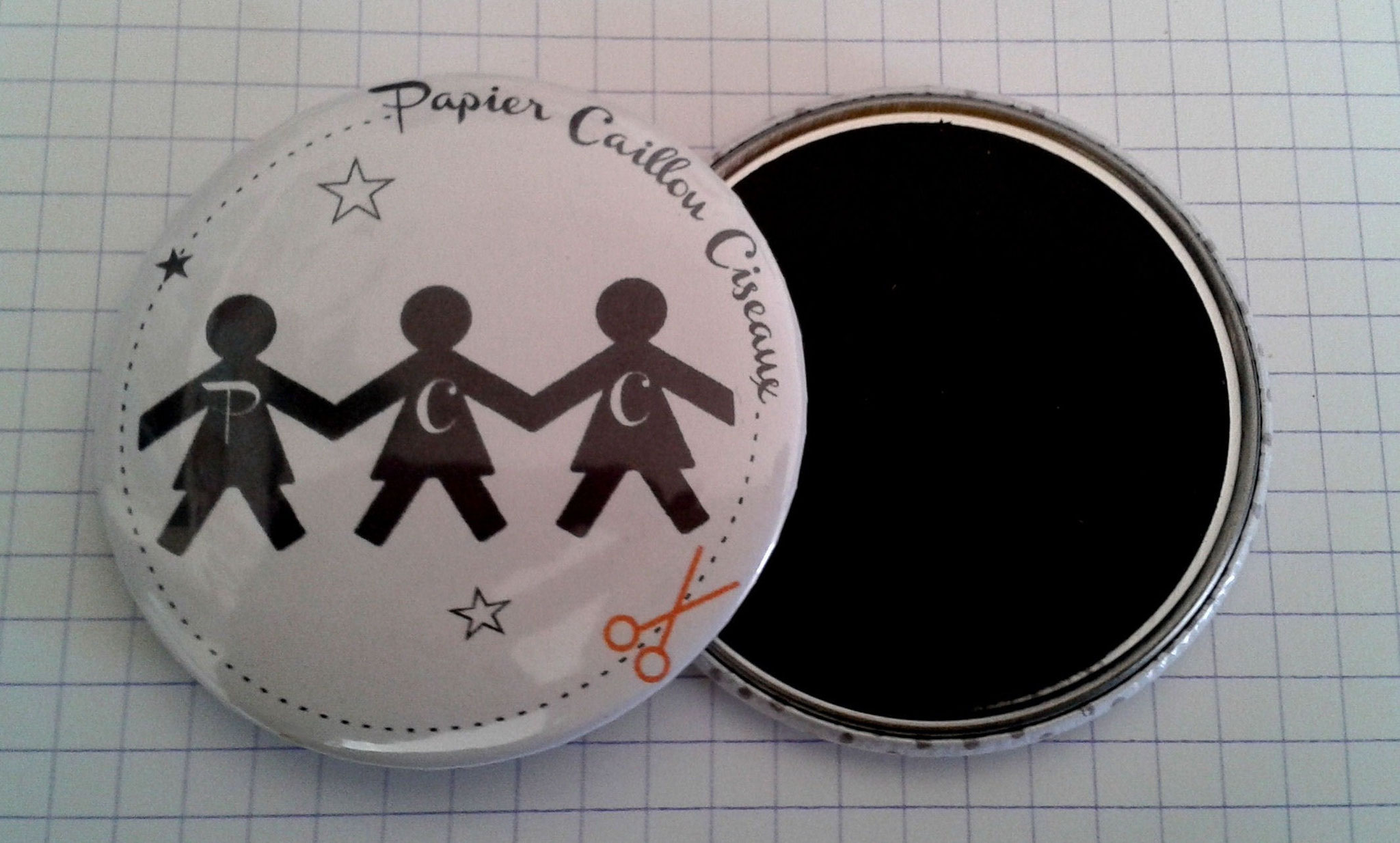 badge magnet miroir décapsuleur personnalisé logo photographie