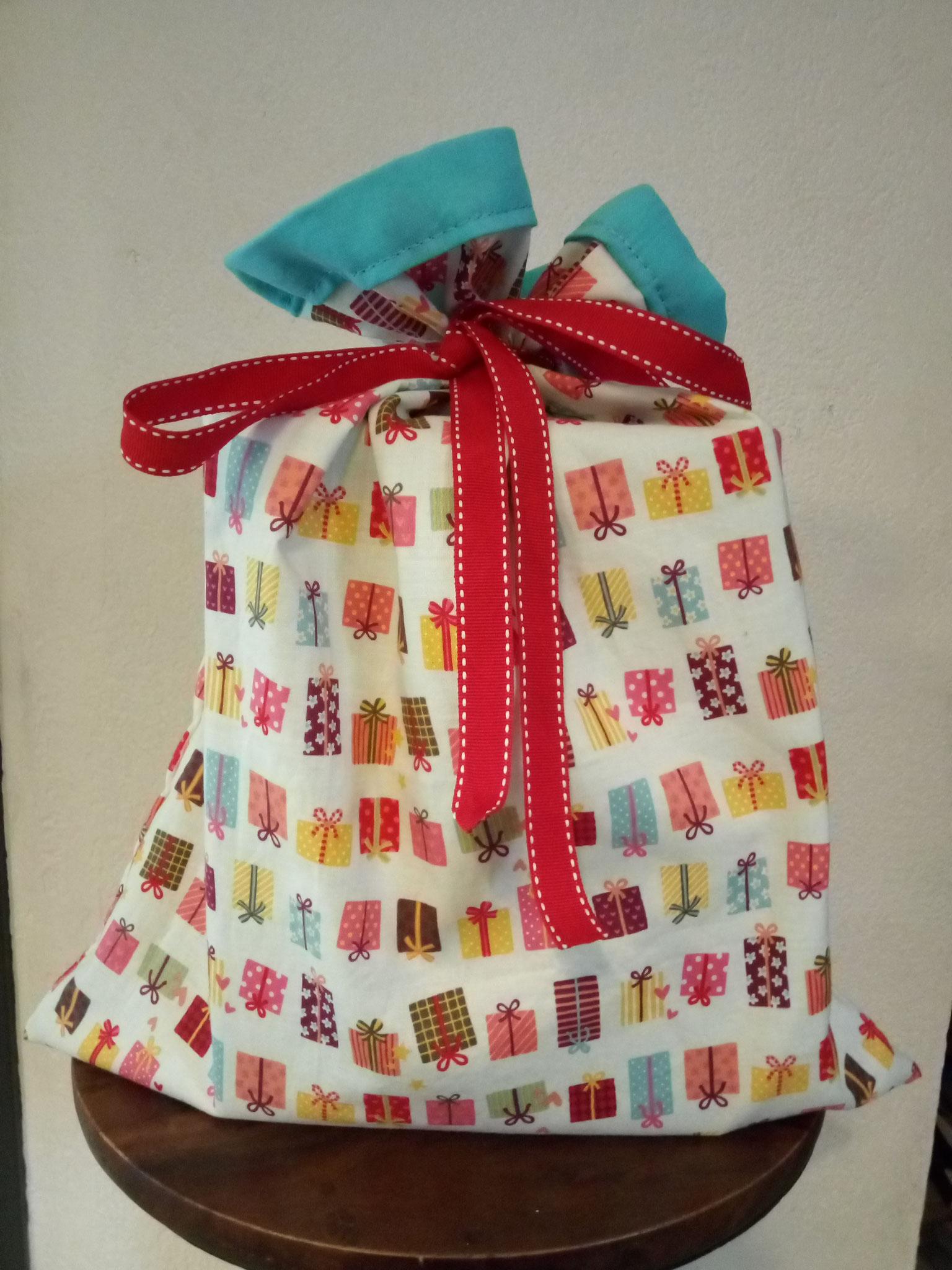 """Sacs à cadeaux -Modèle """"paquets cadeaux""""-"""